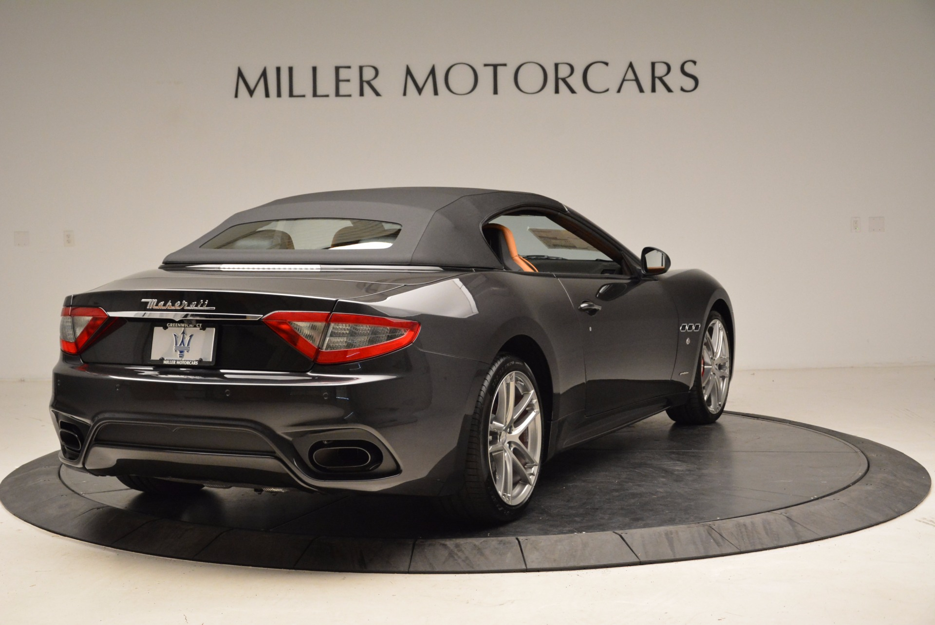 New 2018 Maserati GranTurismo Sport Convertible For Sale In Greenwich, CT. Alfa Romeo of Greenwich, W540 1869_p7