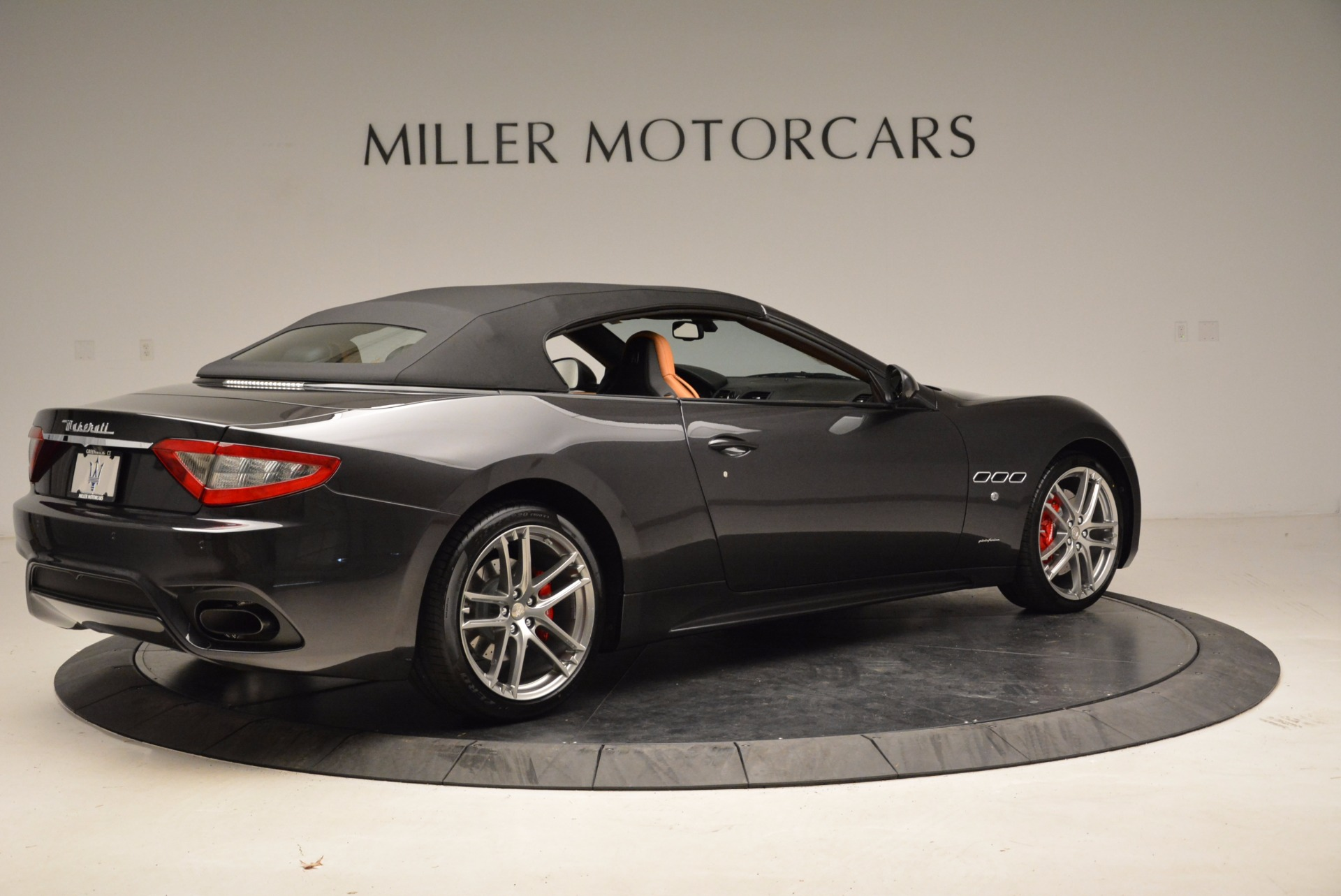 New 2018 Maserati GranTurismo Sport Convertible For Sale In Greenwich, CT. Alfa Romeo of Greenwich, W540 1869_p8