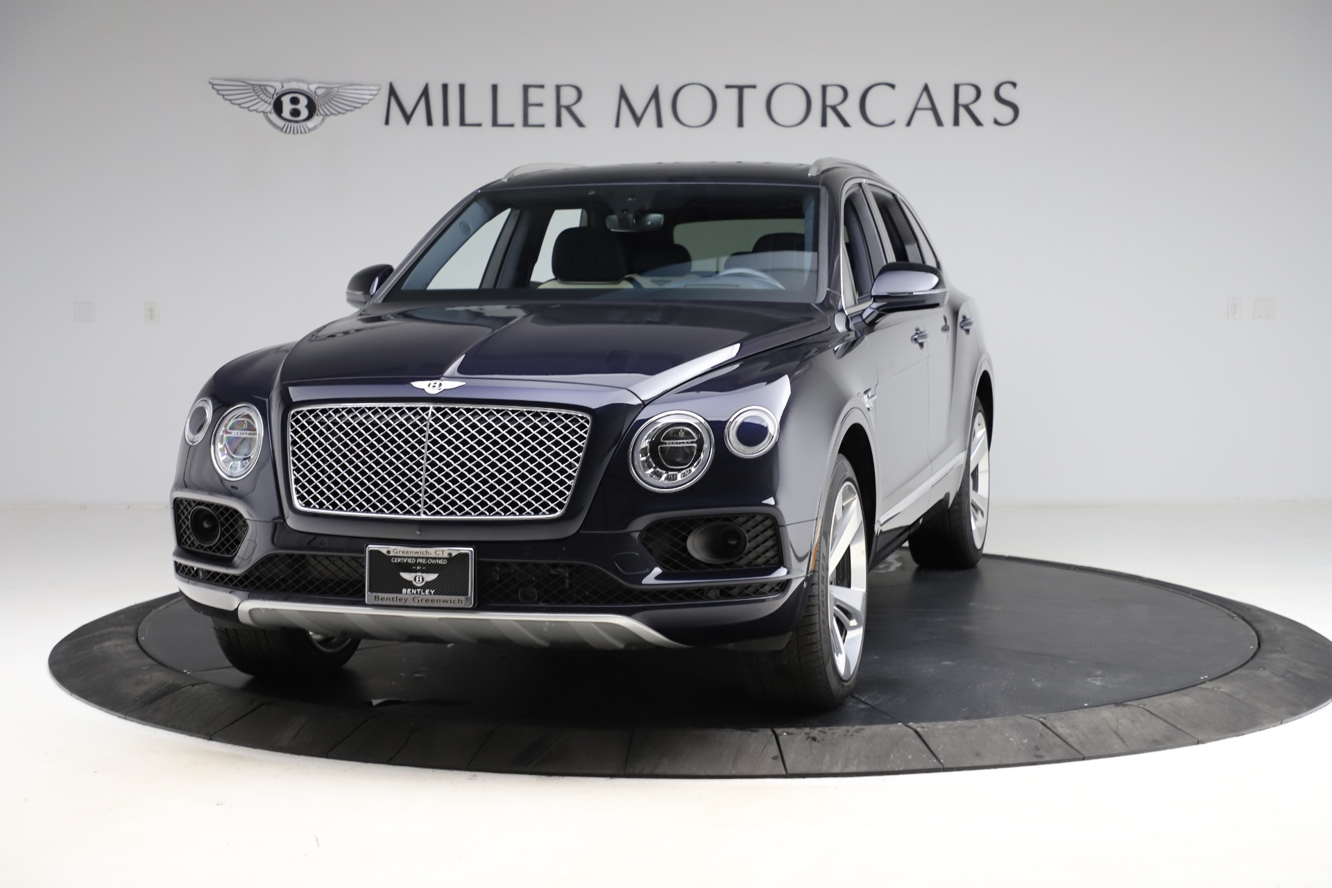 New 2018 Bentley Bentayga Signature For Sale In Greenwich, CT. Alfa Romeo of Greenwich, B1320 1873_main