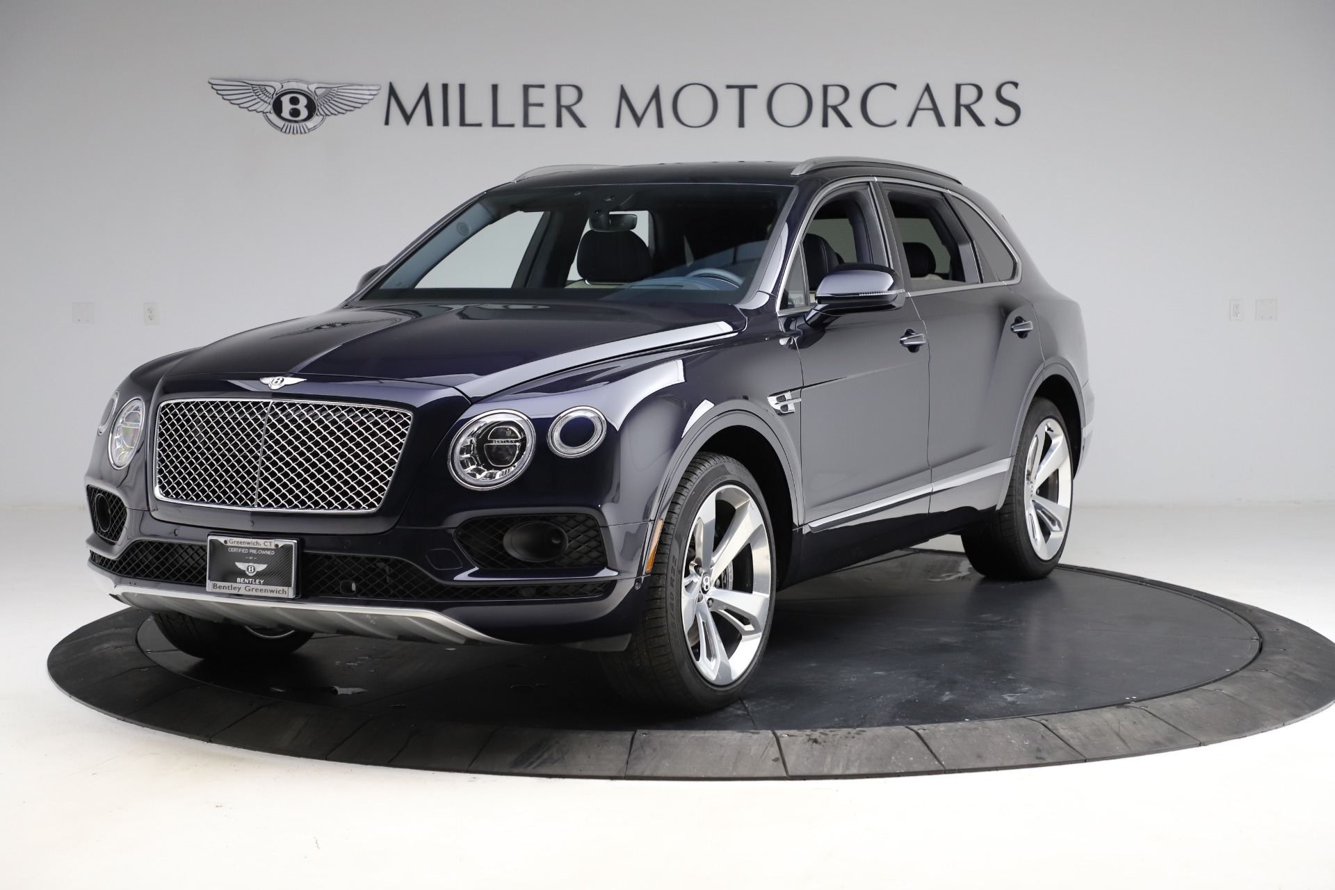 New 2018 Bentley Bentayga Signature For Sale In Greenwich, CT. Alfa Romeo of Greenwich, B1320 1873_p2