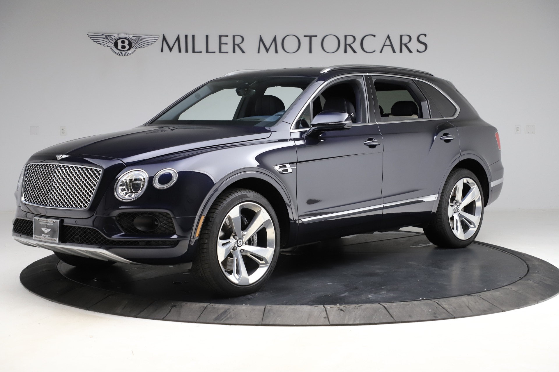 New 2018 Bentley Bentayga Signature For Sale In Greenwich, CT. Alfa Romeo of Greenwich, B1320 1873_p3