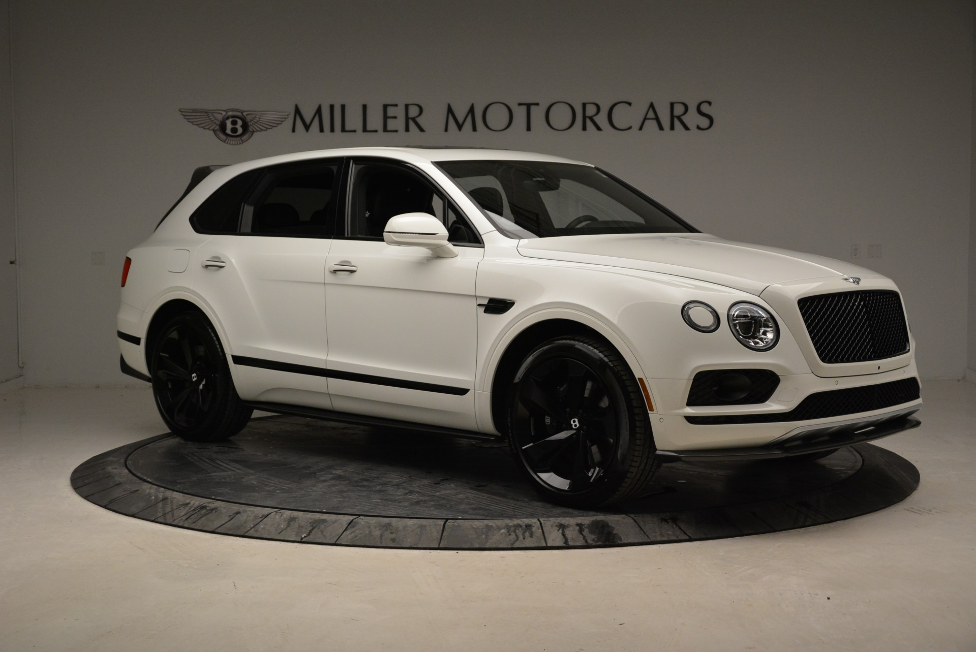 New 2018 Bentley Bentayga Black Edition For Sale In Greenwich, CT. Alfa Romeo of Greenwich, B1319 1874_p10