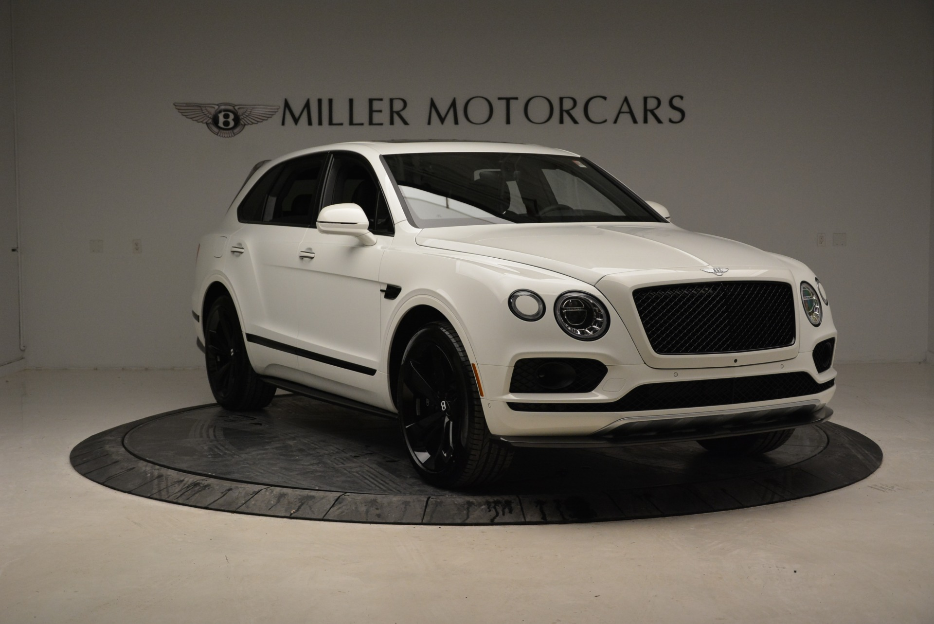 New 2018 Bentley Bentayga Black Edition For Sale In Greenwich, CT. Alfa Romeo of Greenwich, B1319 1874_p11