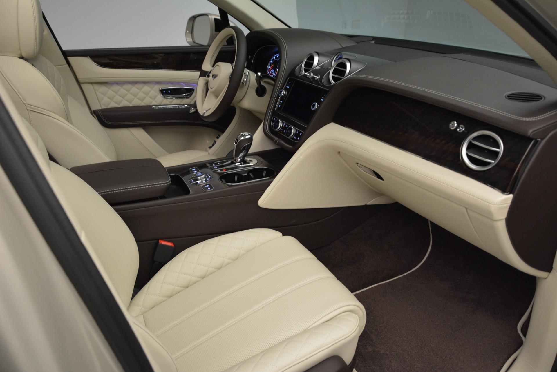 New 2018 Bentley Bentayga Signature For Sale In Greenwich, CT. Alfa Romeo of Greenwich, B1322 1876_p26