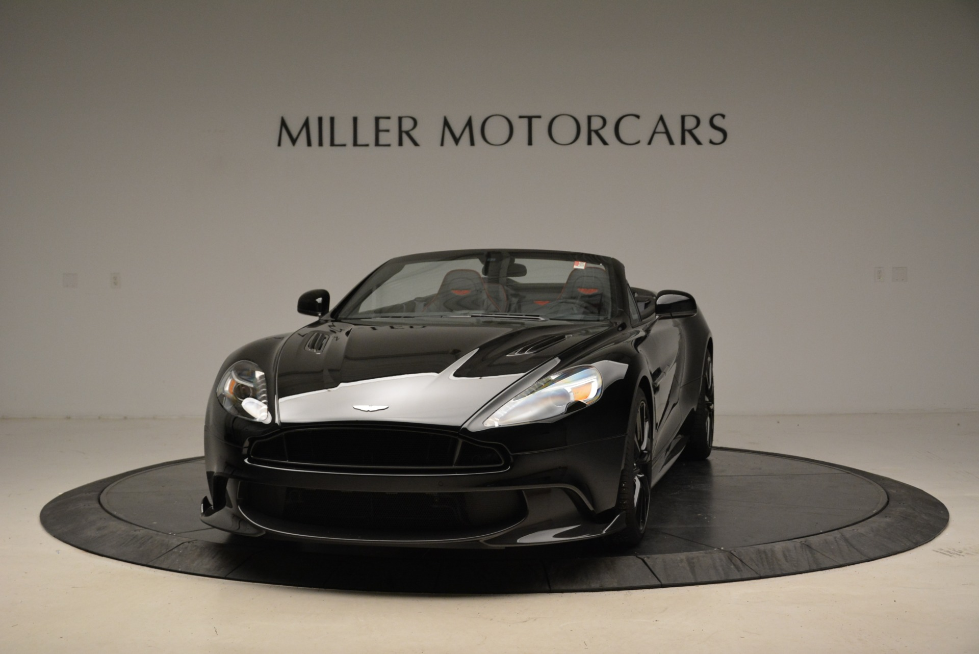 Used 2018 Aston Martin Vanquish S Convertible For Sale In Greenwich, CT. Alfa Romeo of Greenwich, A1258B 1895_main