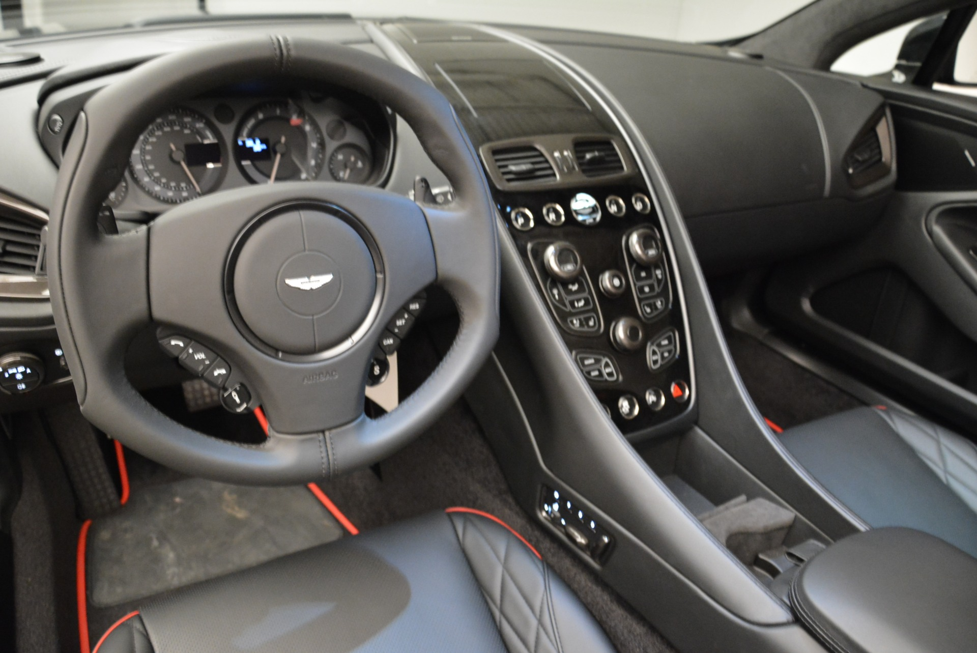 Used 2018 Aston Martin Vanquish S Convertible For Sale In Greenwich, CT. Alfa Romeo of Greenwich, A1258B 1895_p20