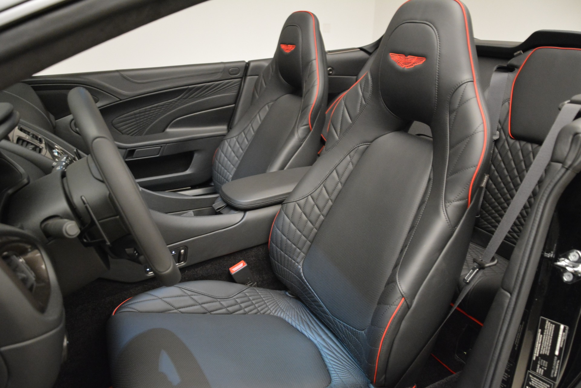 Used 2018 Aston Martin Vanquish S Convertible For Sale In Greenwich, CT. Alfa Romeo of Greenwich, A1258B 1895_p21