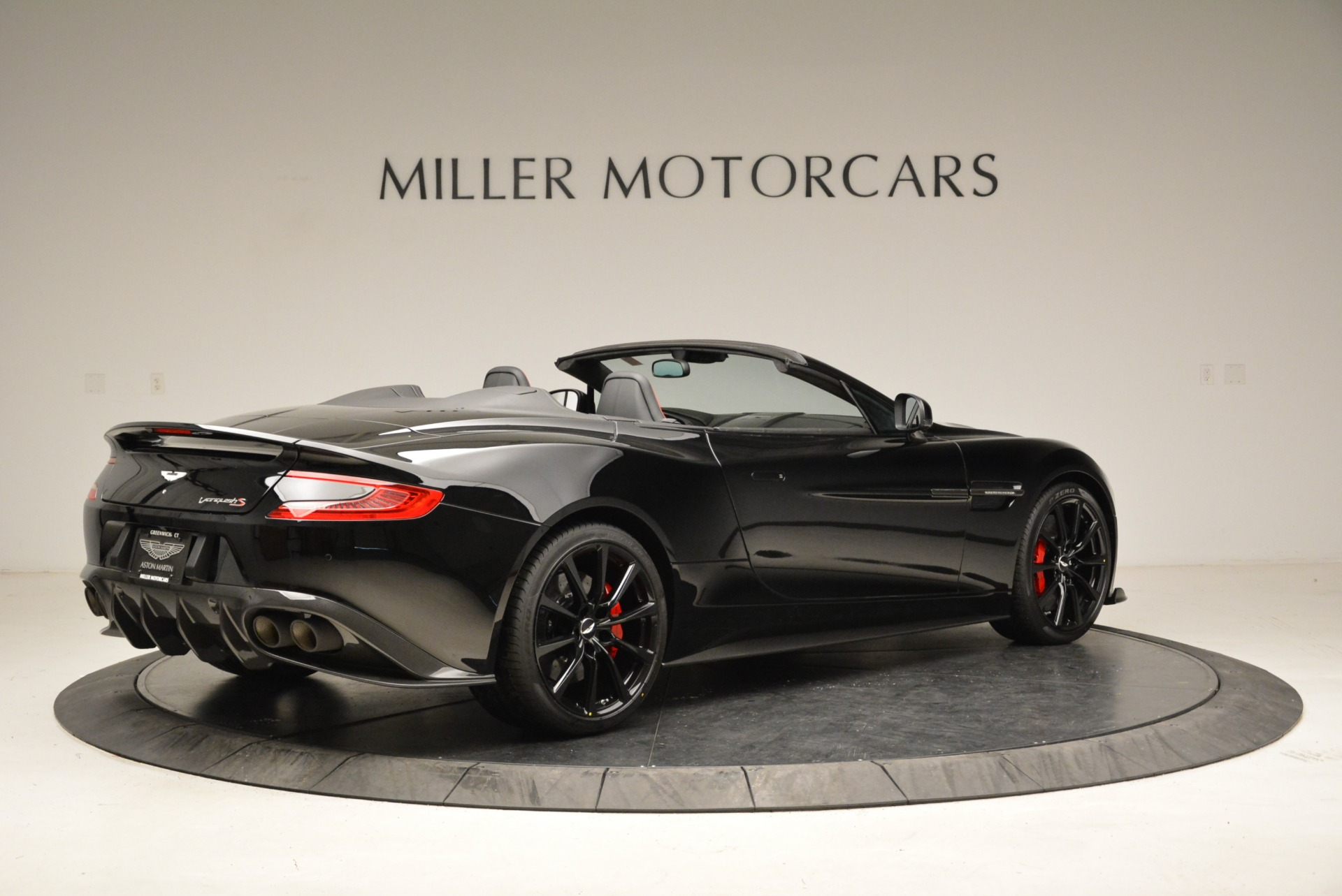 Used 2018 Aston Martin Vanquish S Convertible For Sale In Greenwich, CT. Alfa Romeo of Greenwich, A1258B 1895_p8