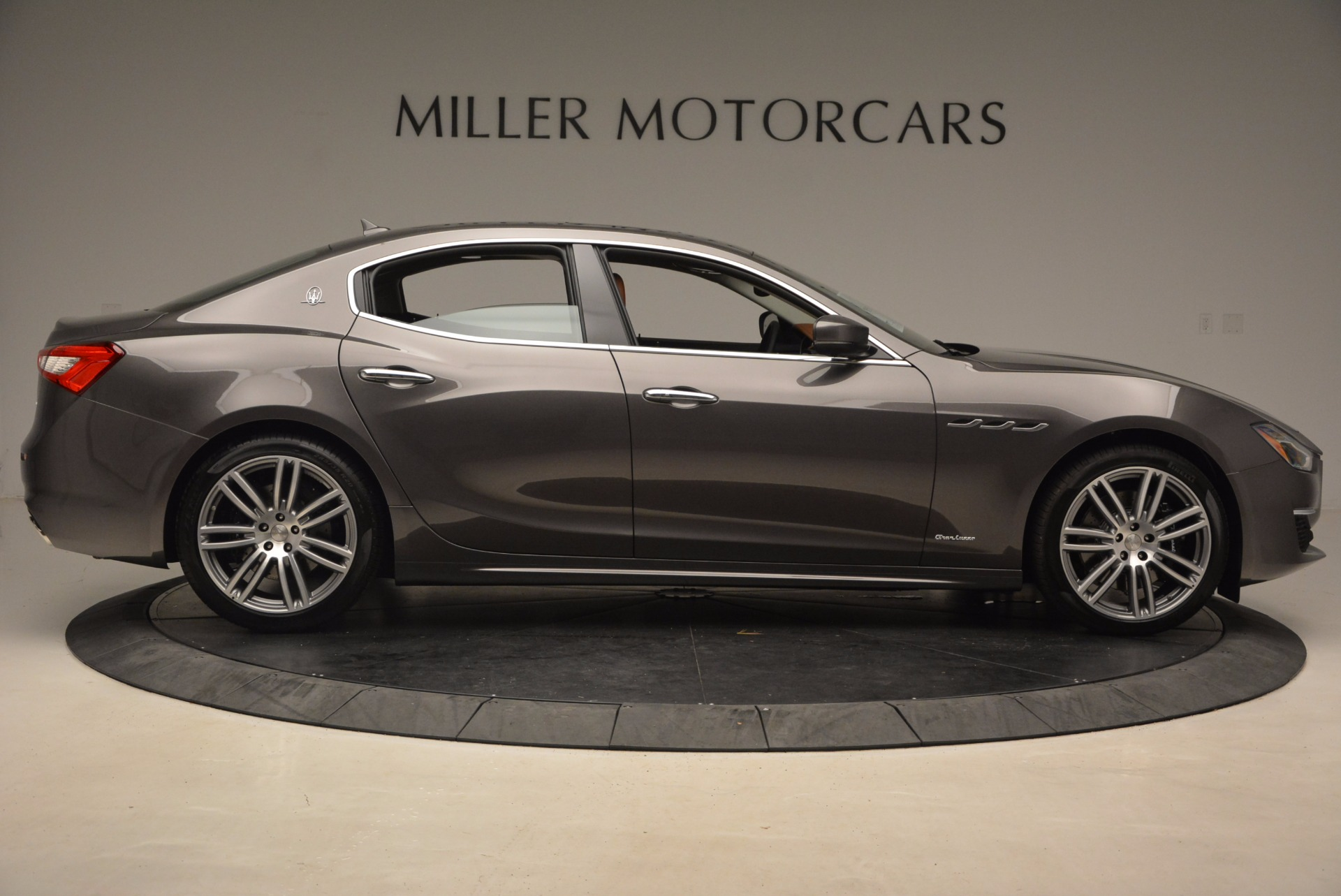New 2018 Maserati Ghibli S Q4 GranLusso For Sale In Greenwich, CT. Alfa Romeo of Greenwich, M2005 1896_p9