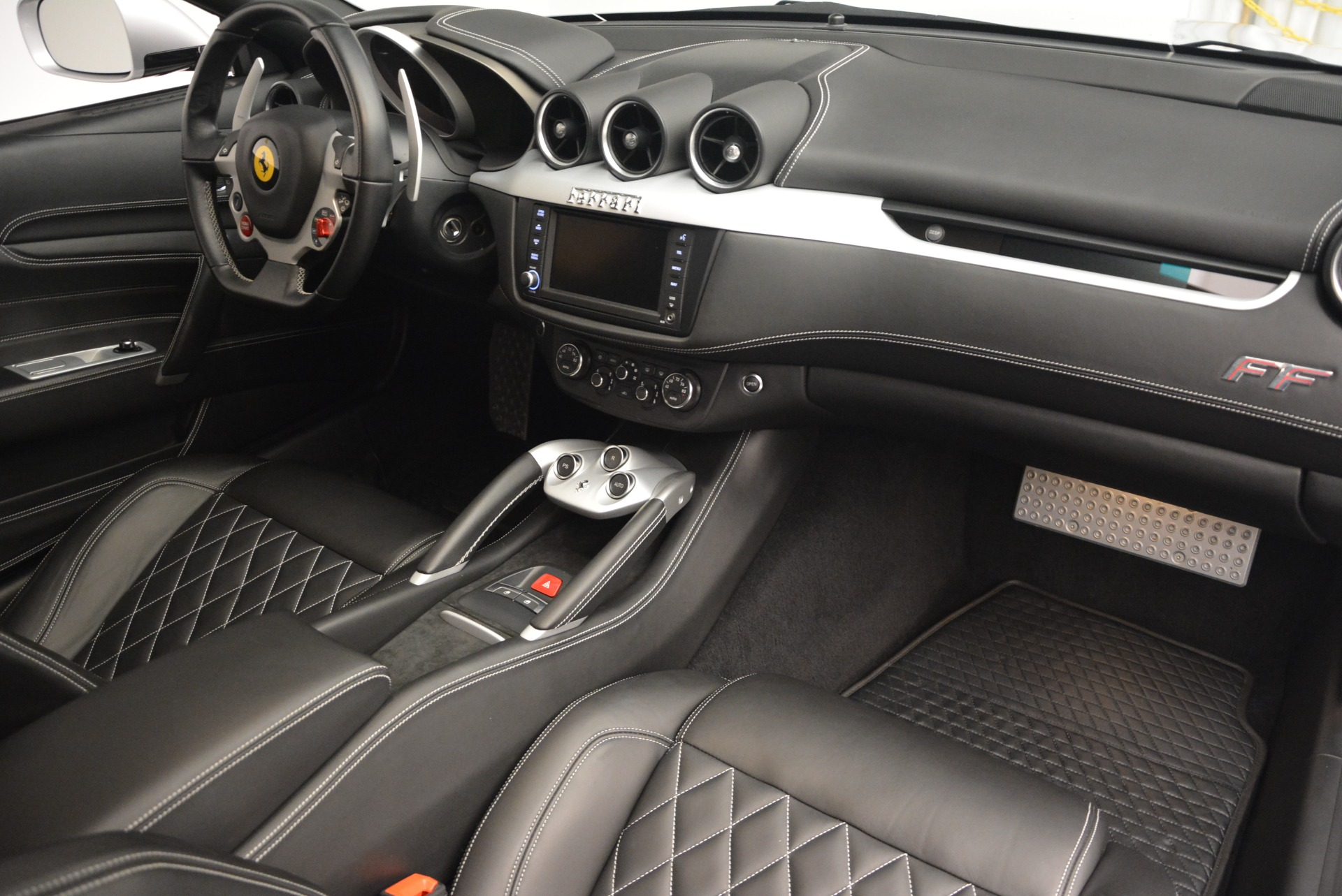 Used 2012 Ferrari FF  For Sale In Greenwich, CT. Alfa Romeo of Greenwich, 4448 1902_p17