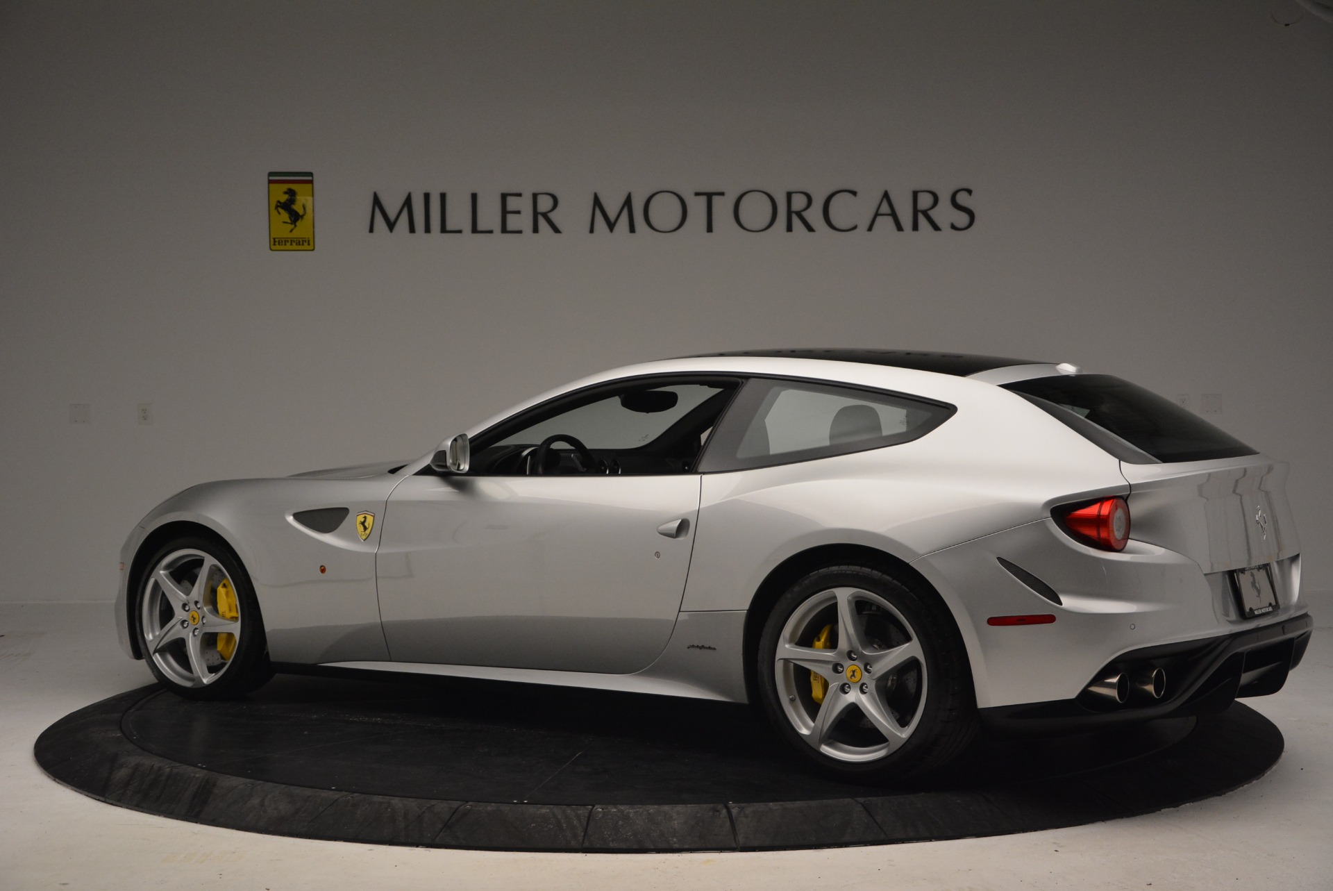 Used 2012 Ferrari FF  For Sale In Greenwich, CT. Alfa Romeo of Greenwich, 4448 1902_p3