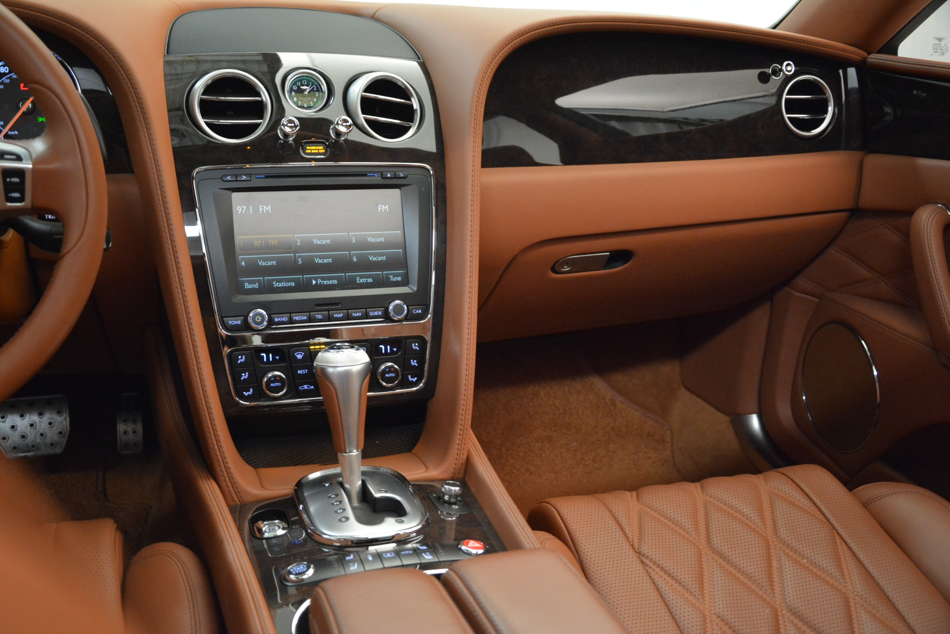 Used 2014 Bentley Flying Spur W12 For Sale In Greenwich, CT. Alfa Romeo of Greenwich, B1244A 1906_p41