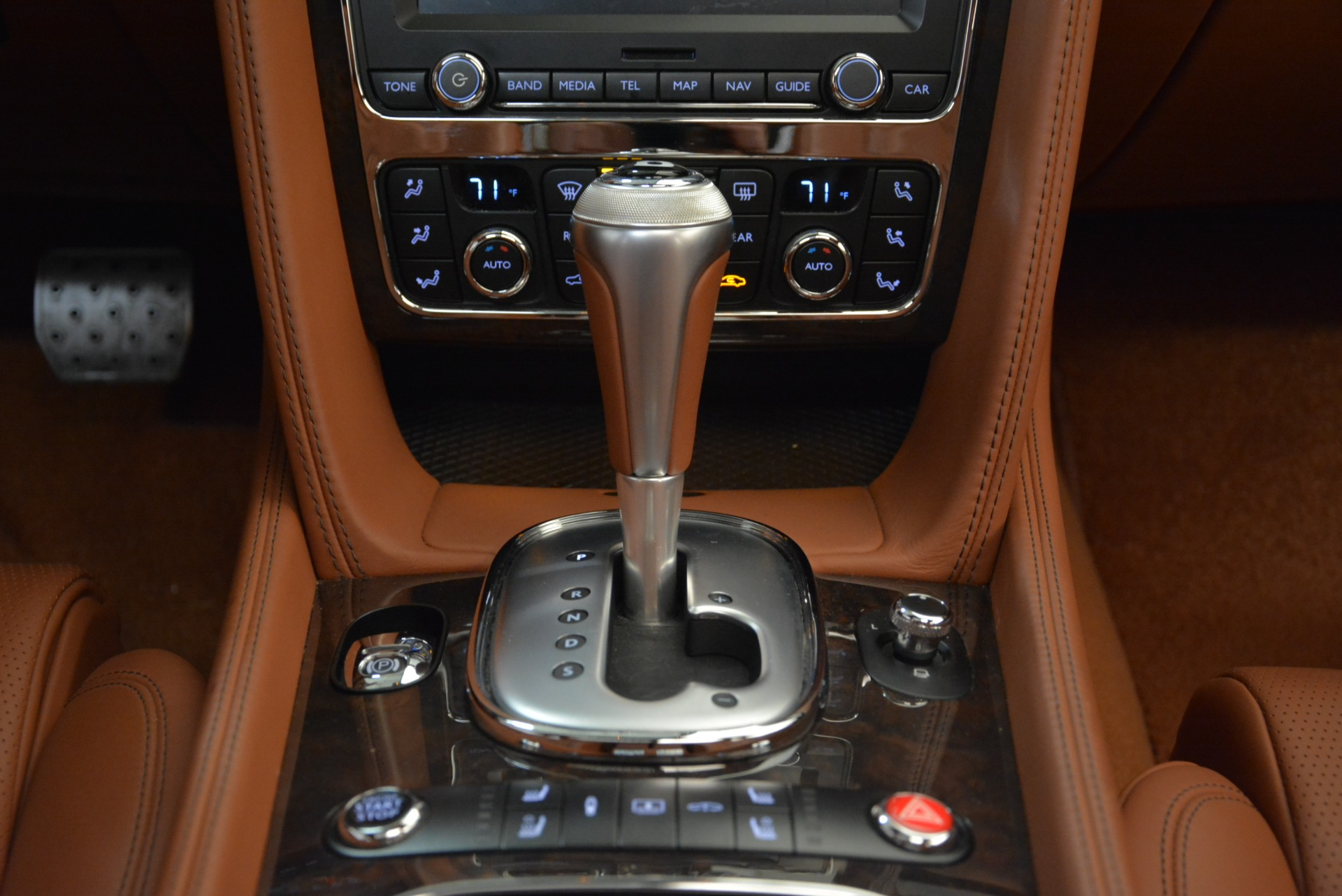 Used 2014 Bentley Flying Spur W12 For Sale In Greenwich, CT. Alfa Romeo of Greenwich, B1244A 1906_p44