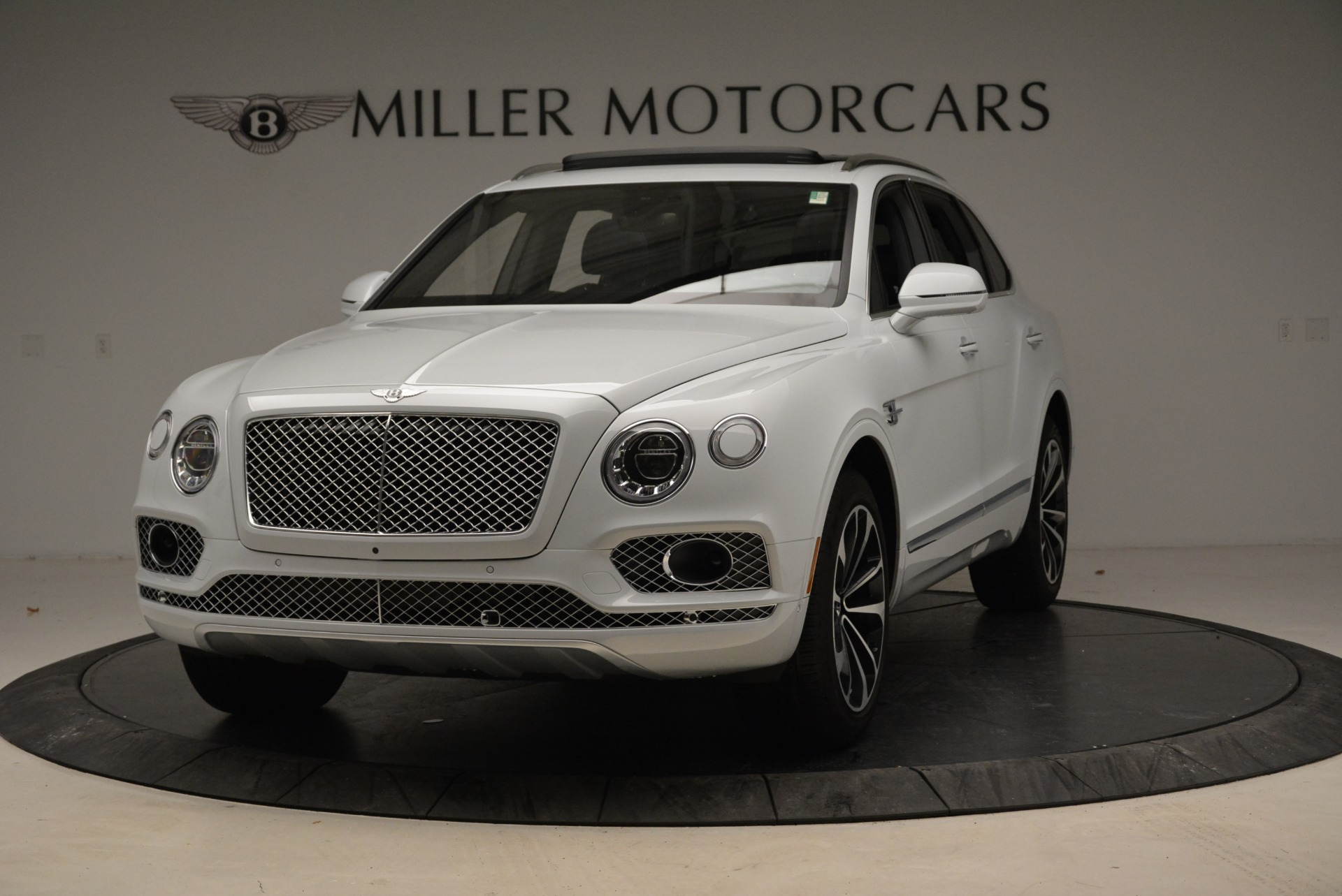 Used 2017 Bentley Bentayga  For Sale In Greenwich, CT. Alfa Romeo of Greenwich, 7308