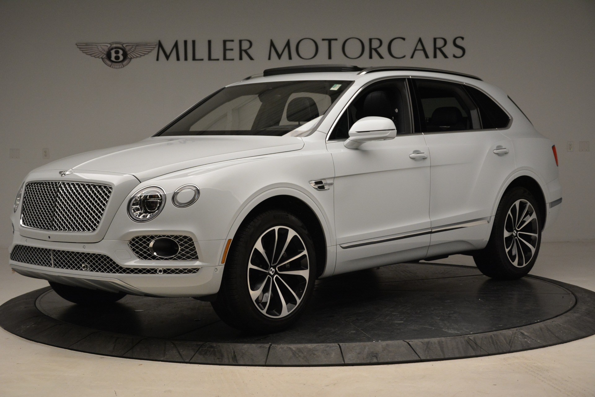 Used 2017 Bentley Bentayga  For Sale In Greenwich, CT. Alfa Romeo of Greenwich, 7308 1907_p2