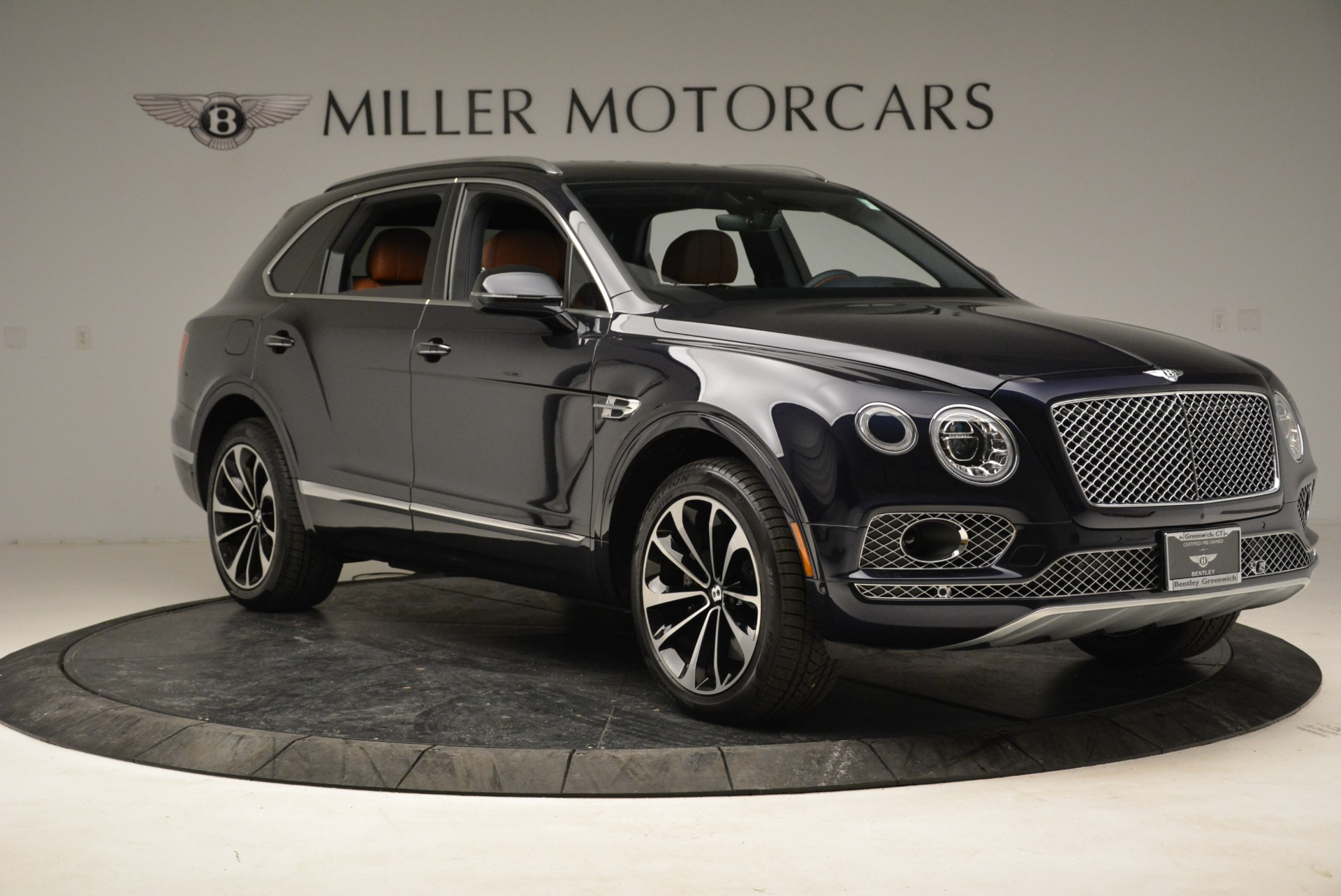 Used 2017 Bentley Bentayga W12 For Sale In Greenwich, CT. Alfa Romeo of Greenwich, A1223A 1913_p11