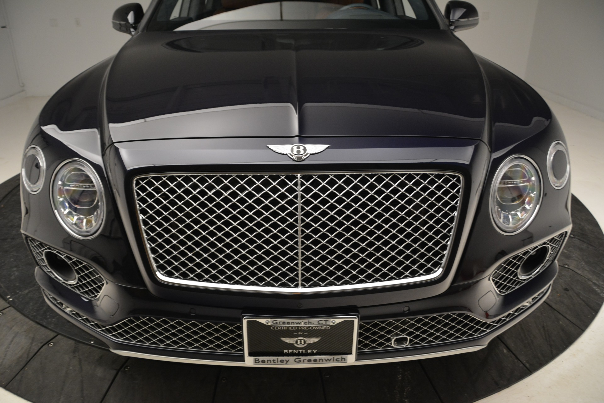 Used 2017 Bentley Bentayga W12 For Sale In Greenwich, CT. Alfa Romeo of Greenwich, A1223A 1913_p13