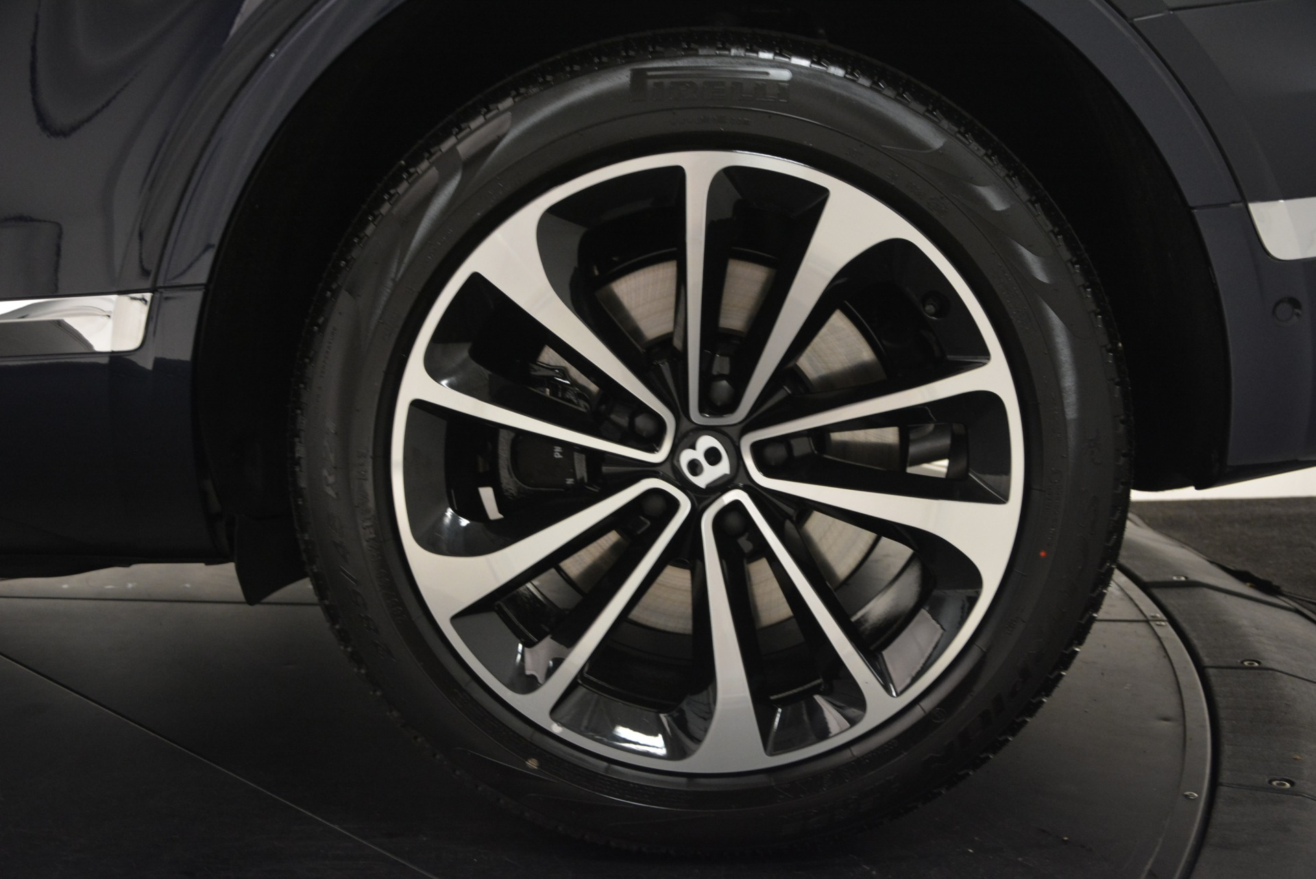 Used 2017 Bentley Bentayga W12 For Sale In Greenwich, CT. Alfa Romeo of Greenwich, A1223A 1913_p14