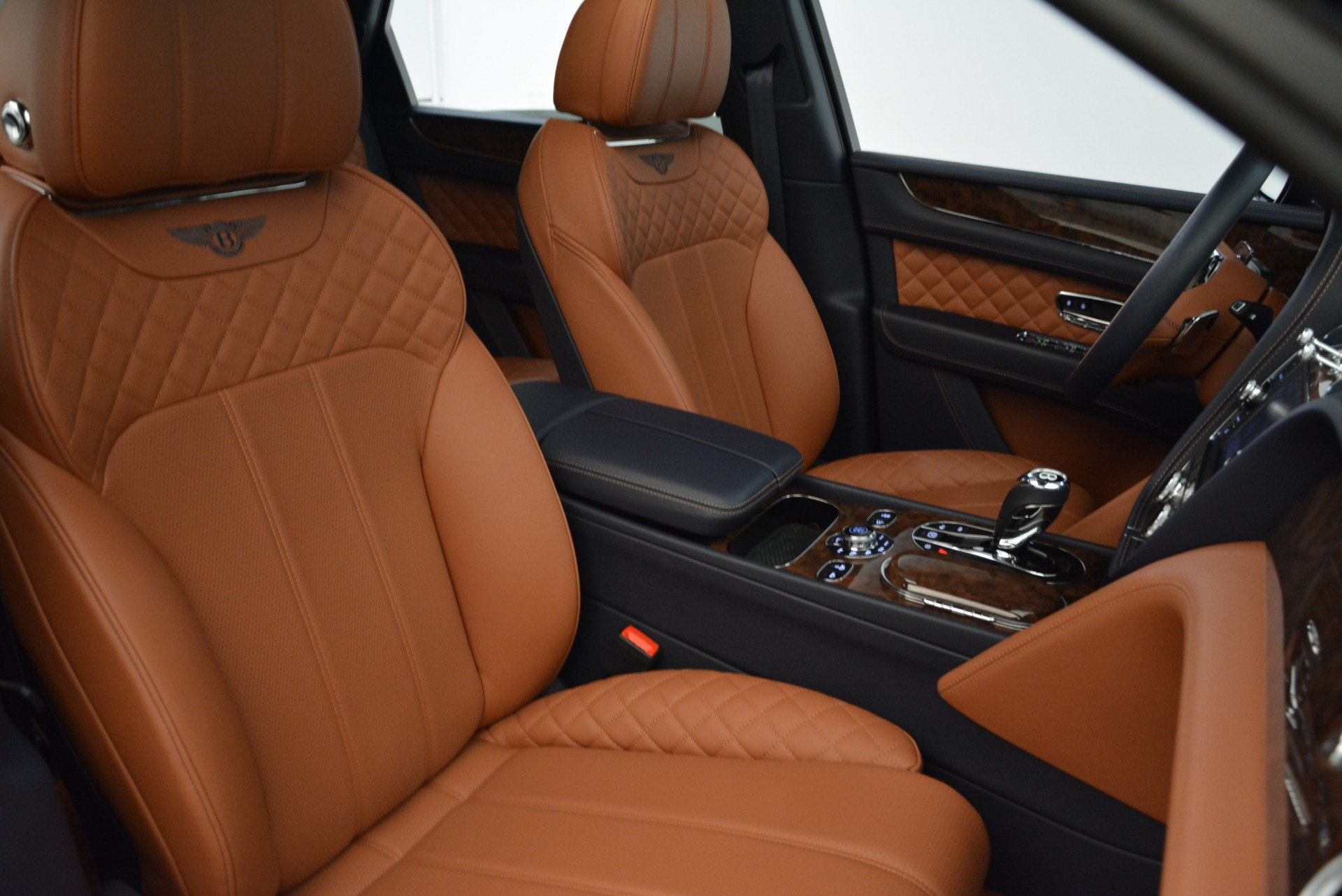Used 2017 Bentley Bentayga W12 For Sale In Greenwich, CT. Alfa Romeo of Greenwich, A1223A 1913_p23