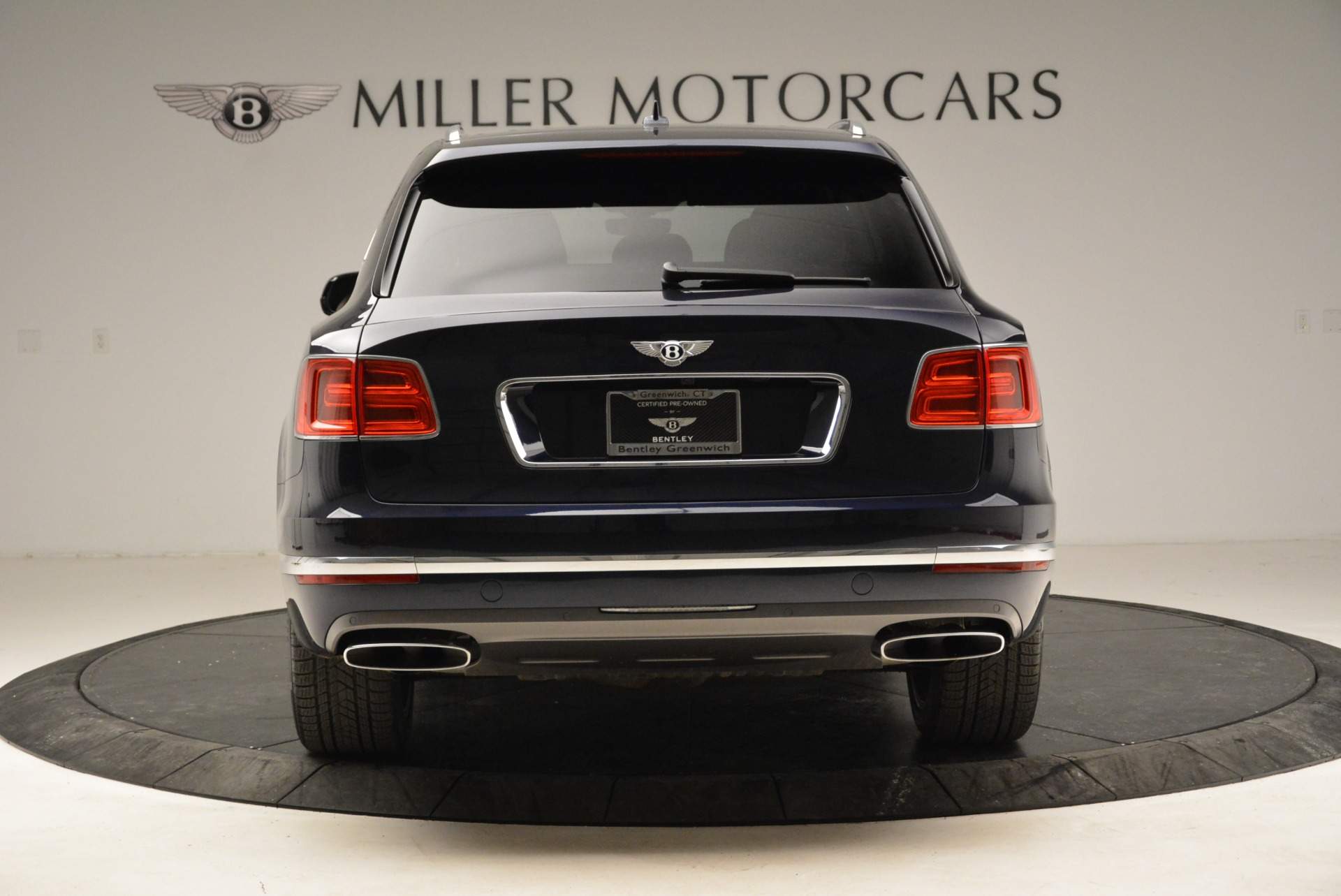 Used 2017 Bentley Bentayga W12 For Sale In Greenwich, CT. Alfa Romeo of Greenwich, A1223A 1913_p6