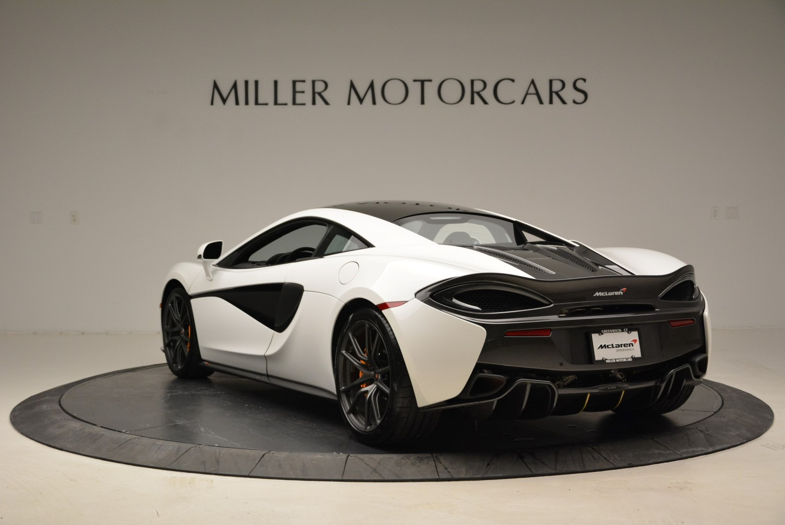 Used 2017 McLaren 570S  For Sale In Greenwich, CT. Alfa Romeo of Greenwich, MC335 1914_p5
