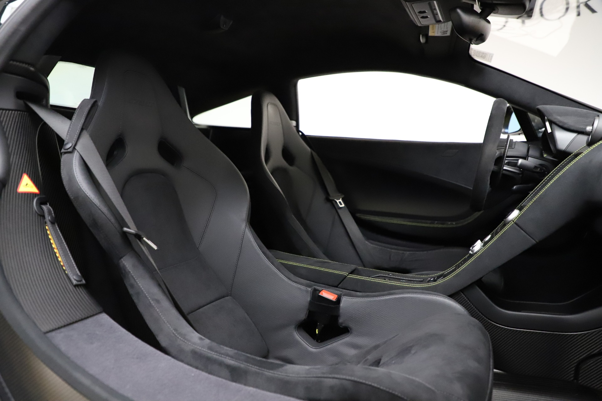 Used 2016 McLaren 675LT Coupe For Sale In Greenwich, CT. Alfa Romeo of Greenwich, MC327A 1916_p23