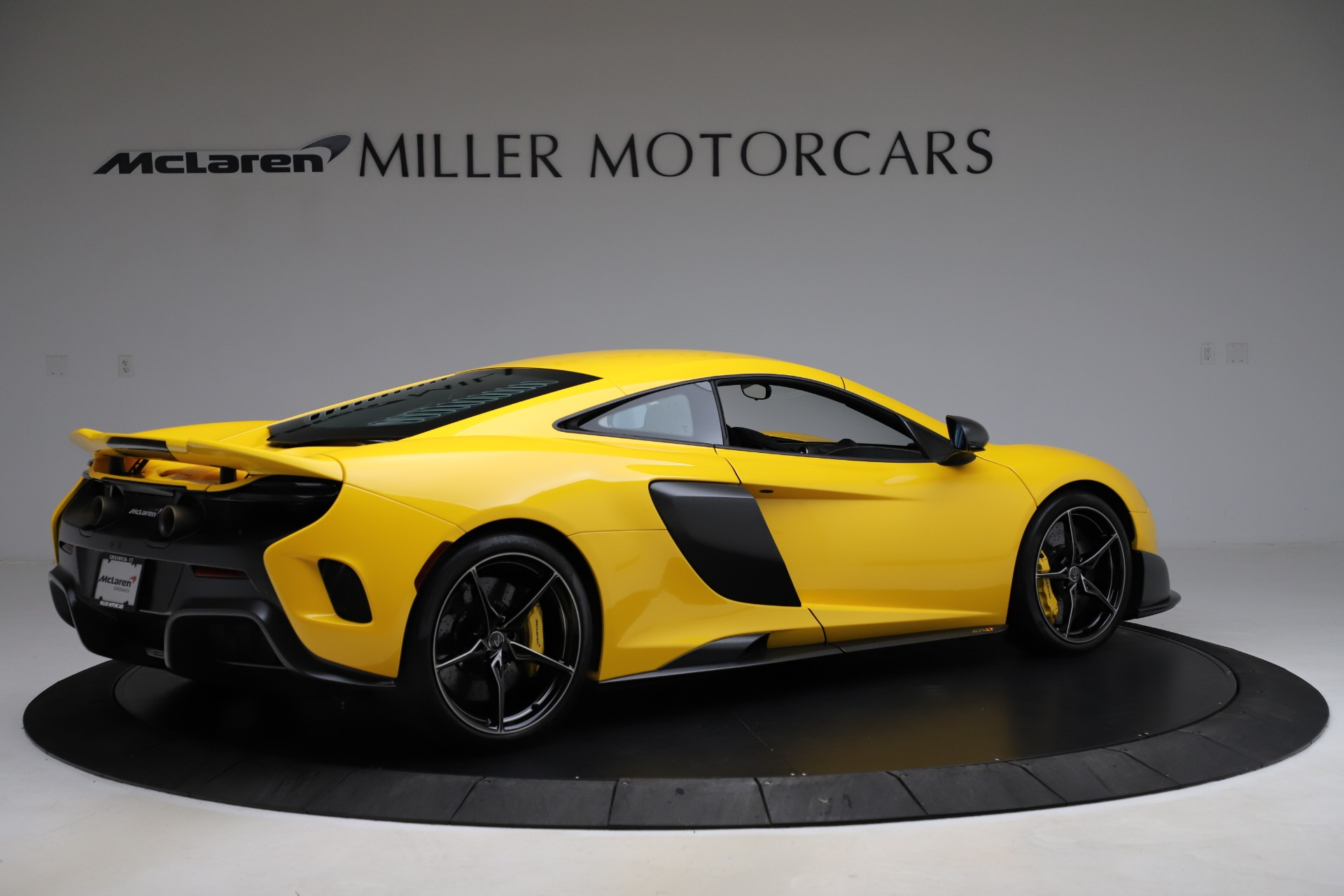 Used 2016 McLaren 675LT Coupe For Sale In Greenwich, CT. Alfa Romeo of Greenwich, MC327A 1916_p7