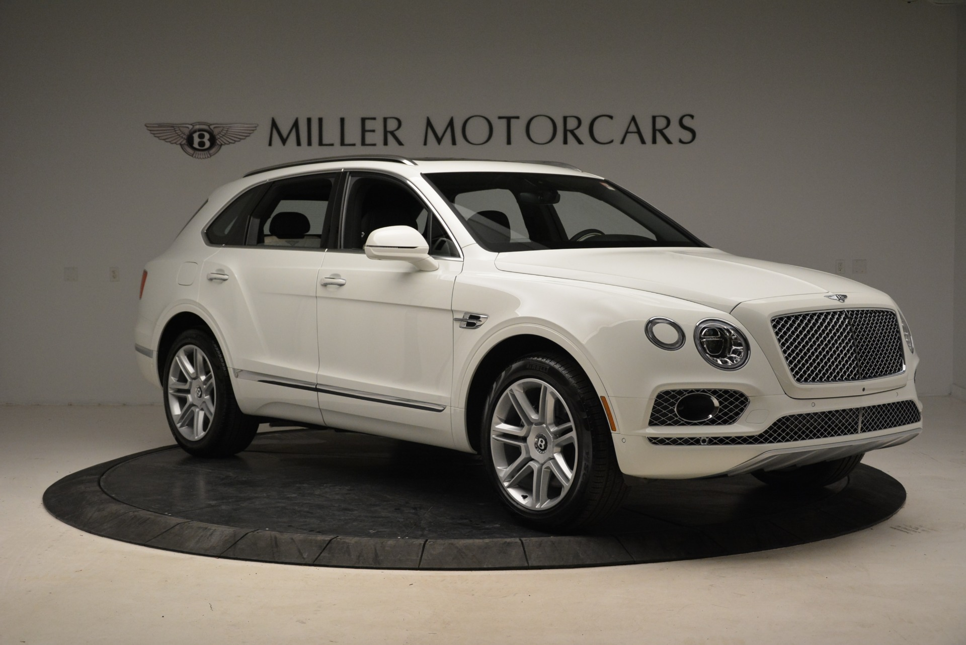 Used 2018 Bentley Bentayga Activity Edition For Sale In Greenwich, CT. Alfa Romeo of Greenwich, B1316 1922_p10