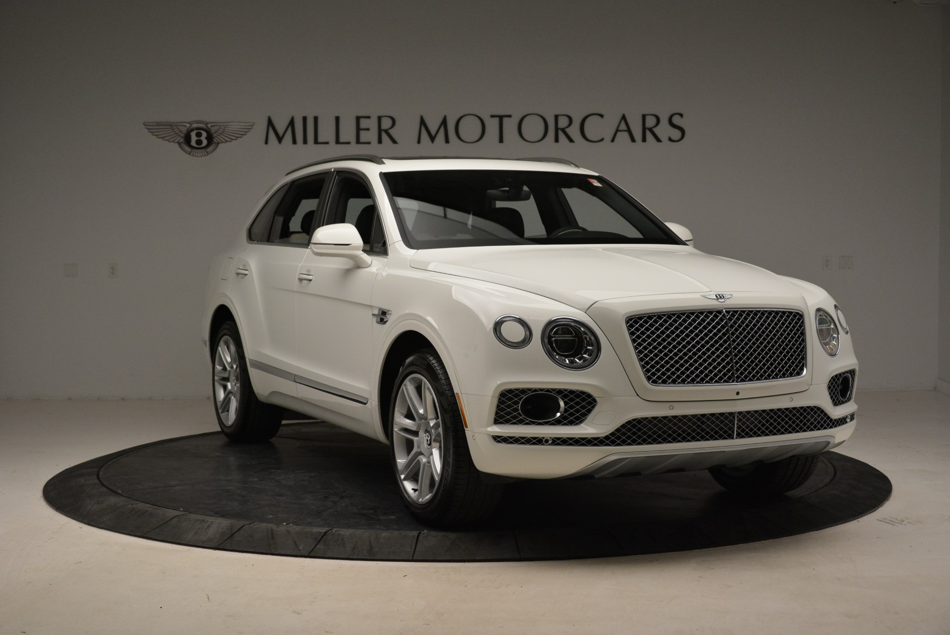 Used 2018 Bentley Bentayga Activity Edition For Sale In Greenwich, CT. Alfa Romeo of Greenwich, B1316 1922_p11