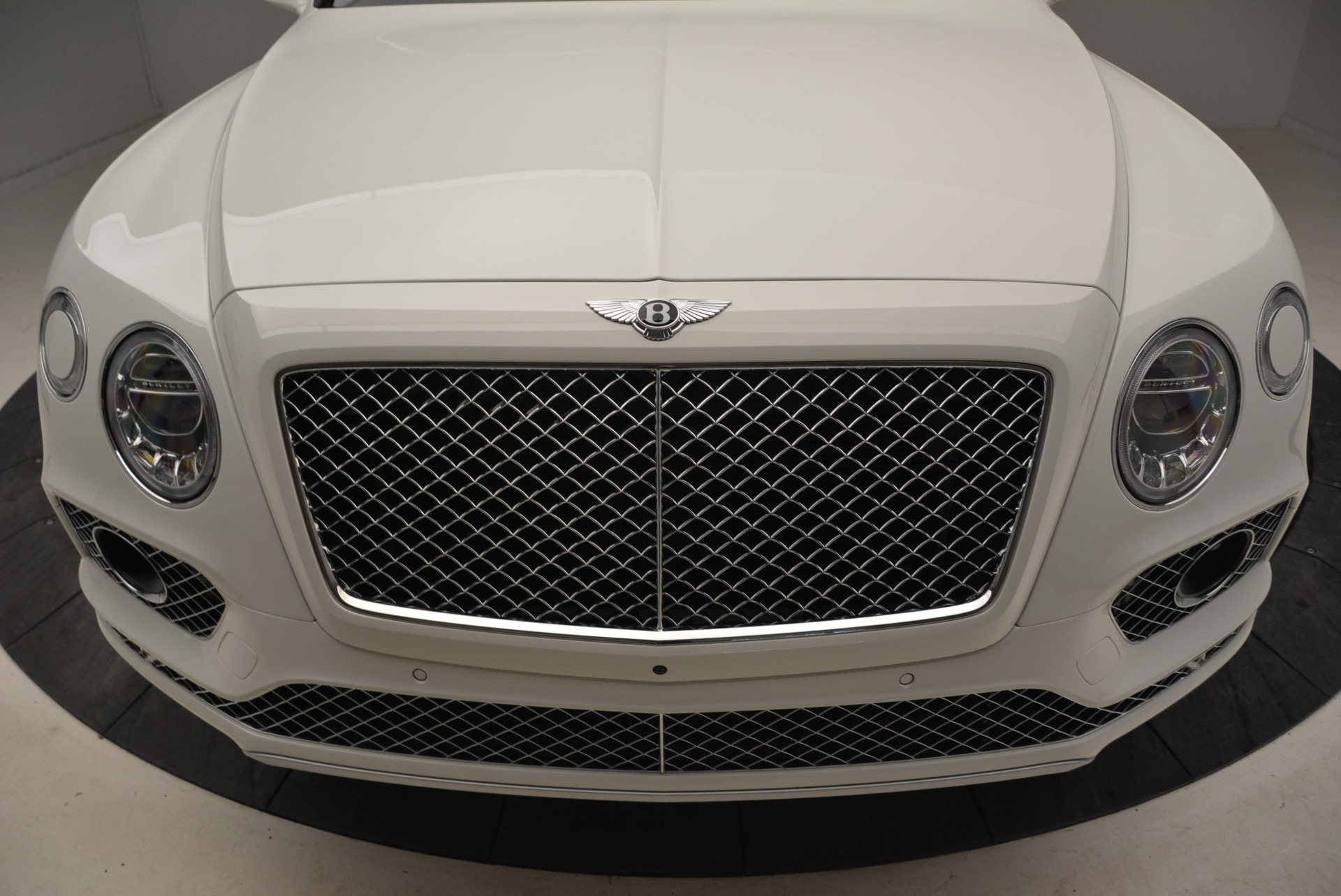 Used 2018 Bentley Bentayga Activity Edition For Sale In Greenwich, CT. Alfa Romeo of Greenwich, B1316 1922_p13