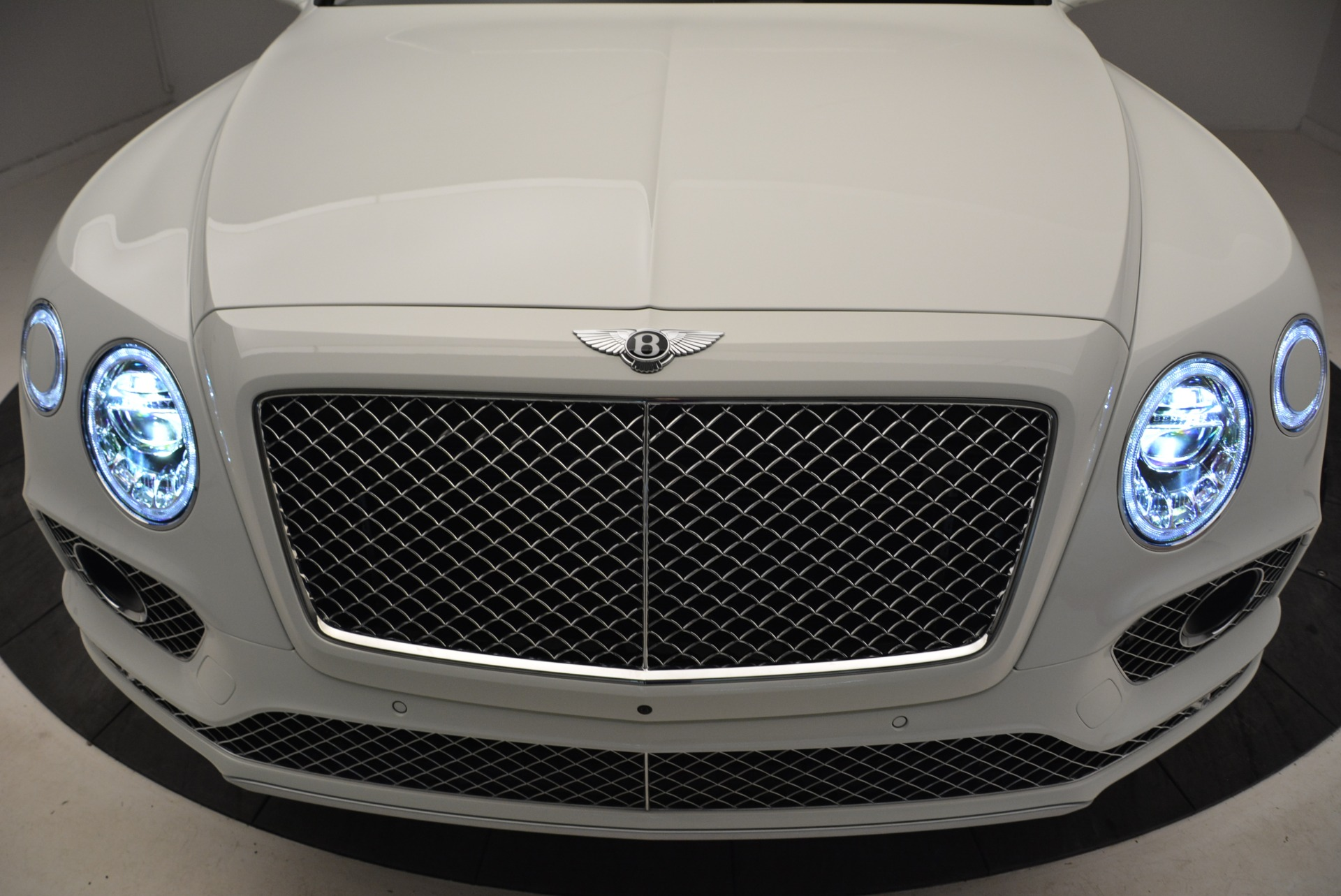 Used 2018 Bentley Bentayga Activity Edition For Sale In Greenwich, CT. Alfa Romeo of Greenwich, B1316 1922_p14