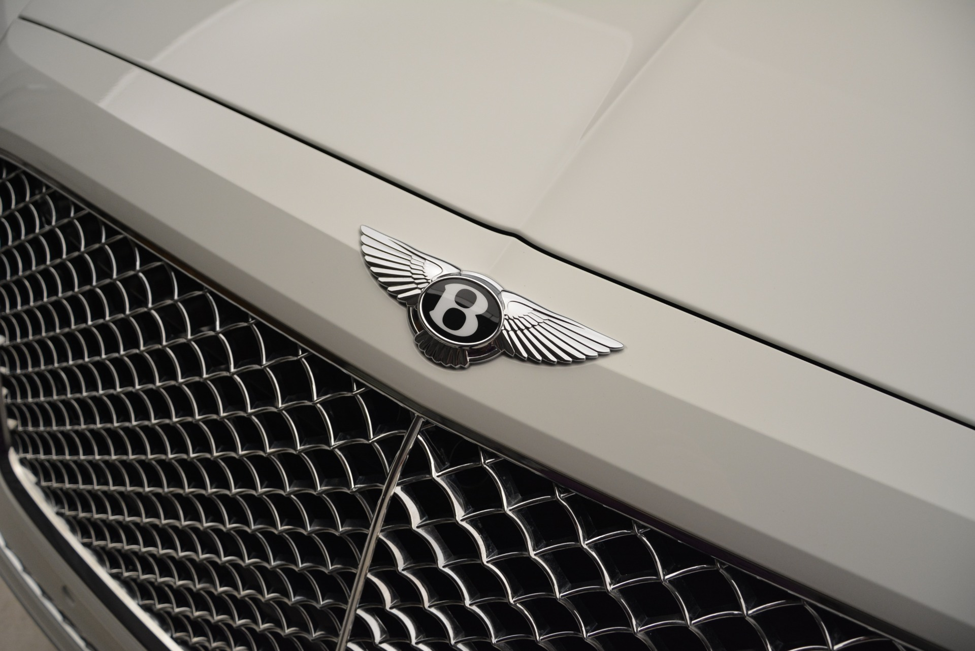 Used 2018 Bentley Bentayga Activity Edition For Sale In Greenwich, CT. Alfa Romeo of Greenwich, B1316 1922_p15