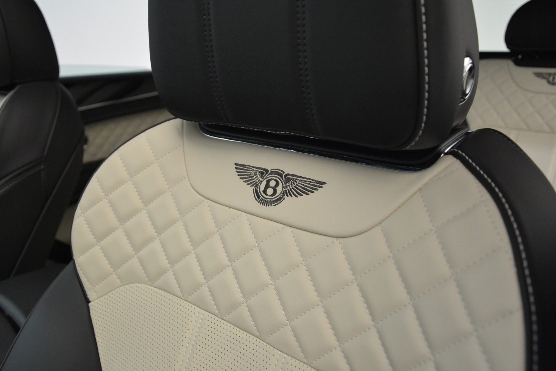 Used 2018 Bentley Bentayga Activity Edition For Sale In Greenwich, CT. Alfa Romeo of Greenwich, B1316 1922_p20