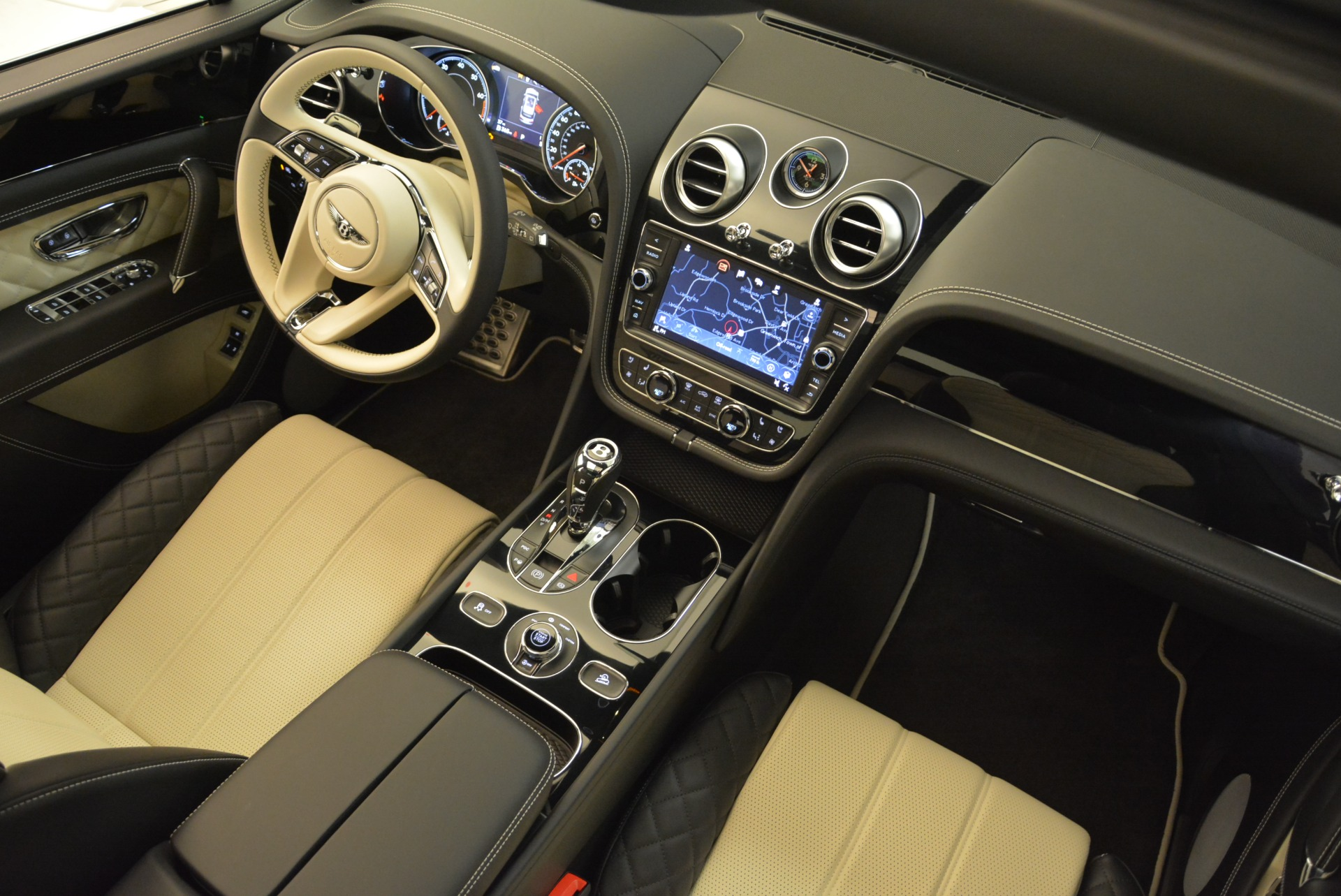 Used 2018 Bentley Bentayga Activity Edition For Sale In Greenwich, CT. Alfa Romeo of Greenwich, B1316 1922_p28