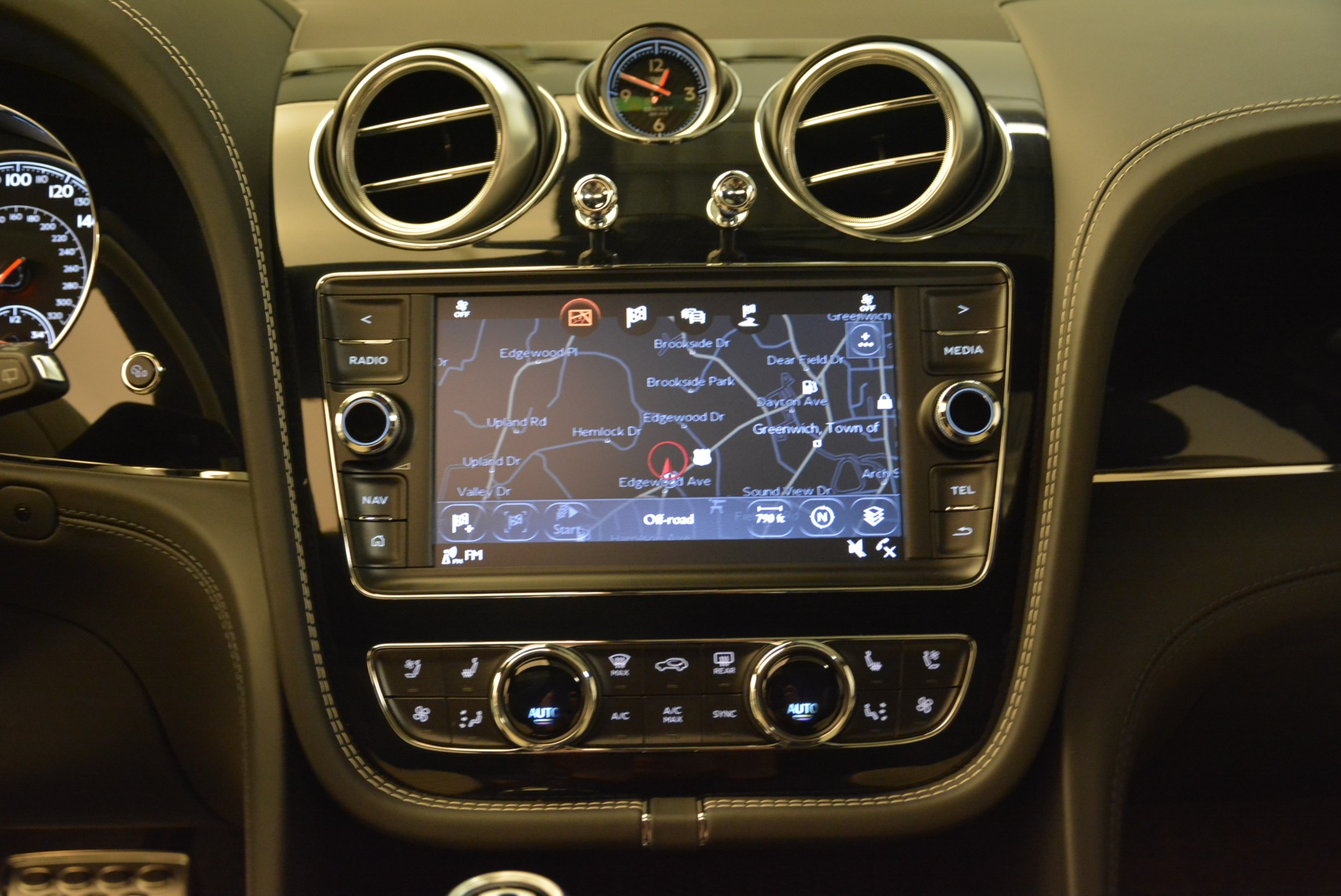 Used 2018 Bentley Bentayga Activity Edition For Sale In Greenwich, CT. Alfa Romeo of Greenwich, B1316 1922_p29