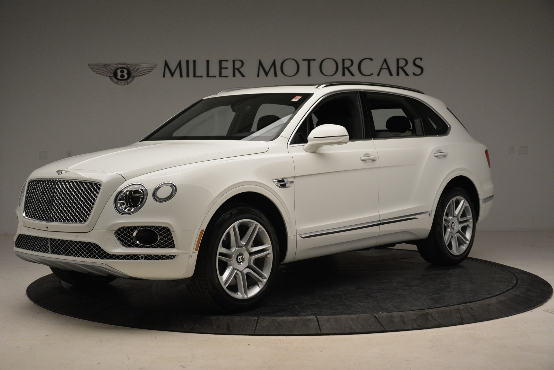 Used 2018 Bentley Bentayga Activity Edition For Sale In Greenwich, CT. Alfa Romeo of Greenwich, B1316 1922_p2