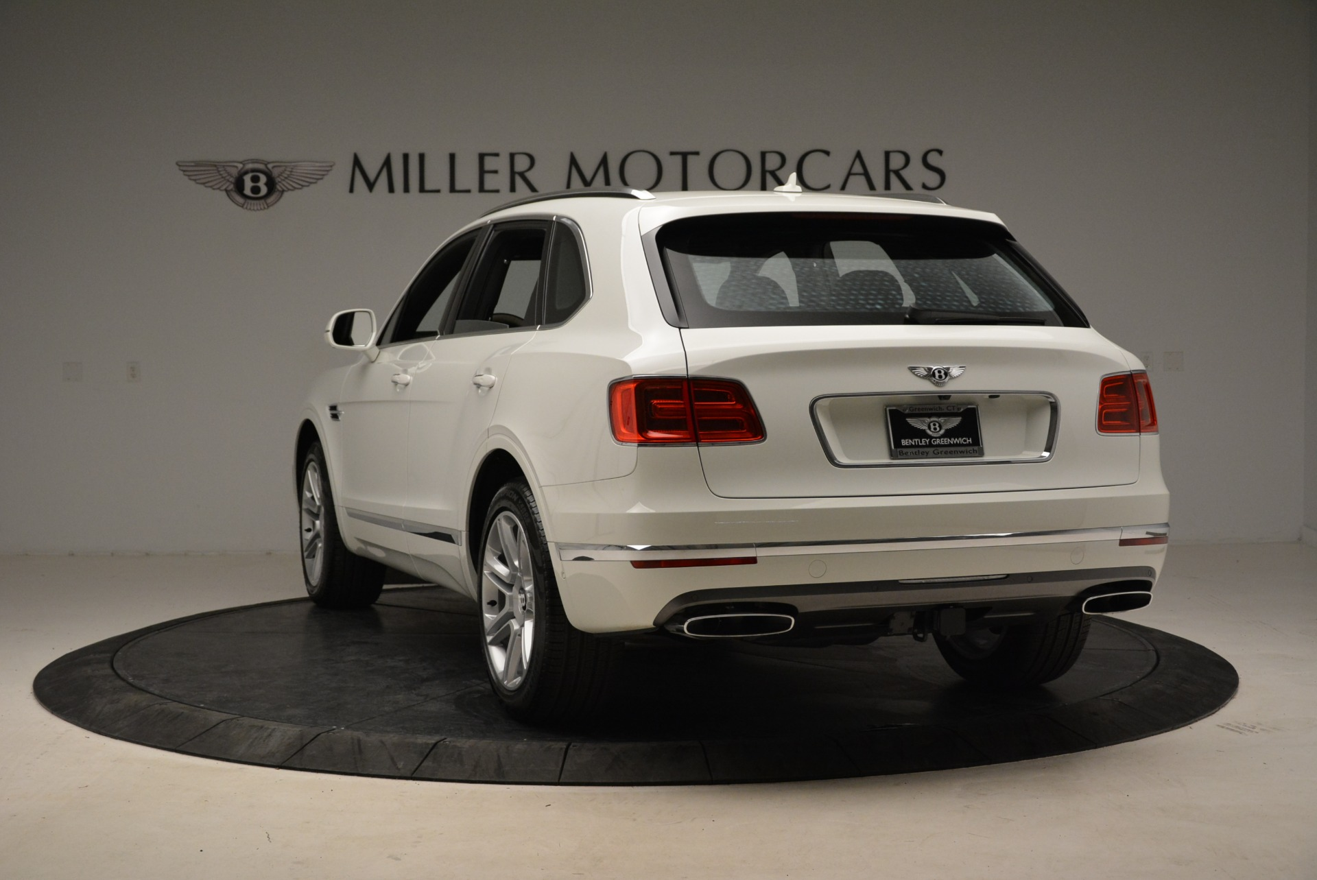 Used 2018 Bentley Bentayga Activity Edition For Sale In Greenwich, CT. Alfa Romeo of Greenwich, B1316 1922_p5