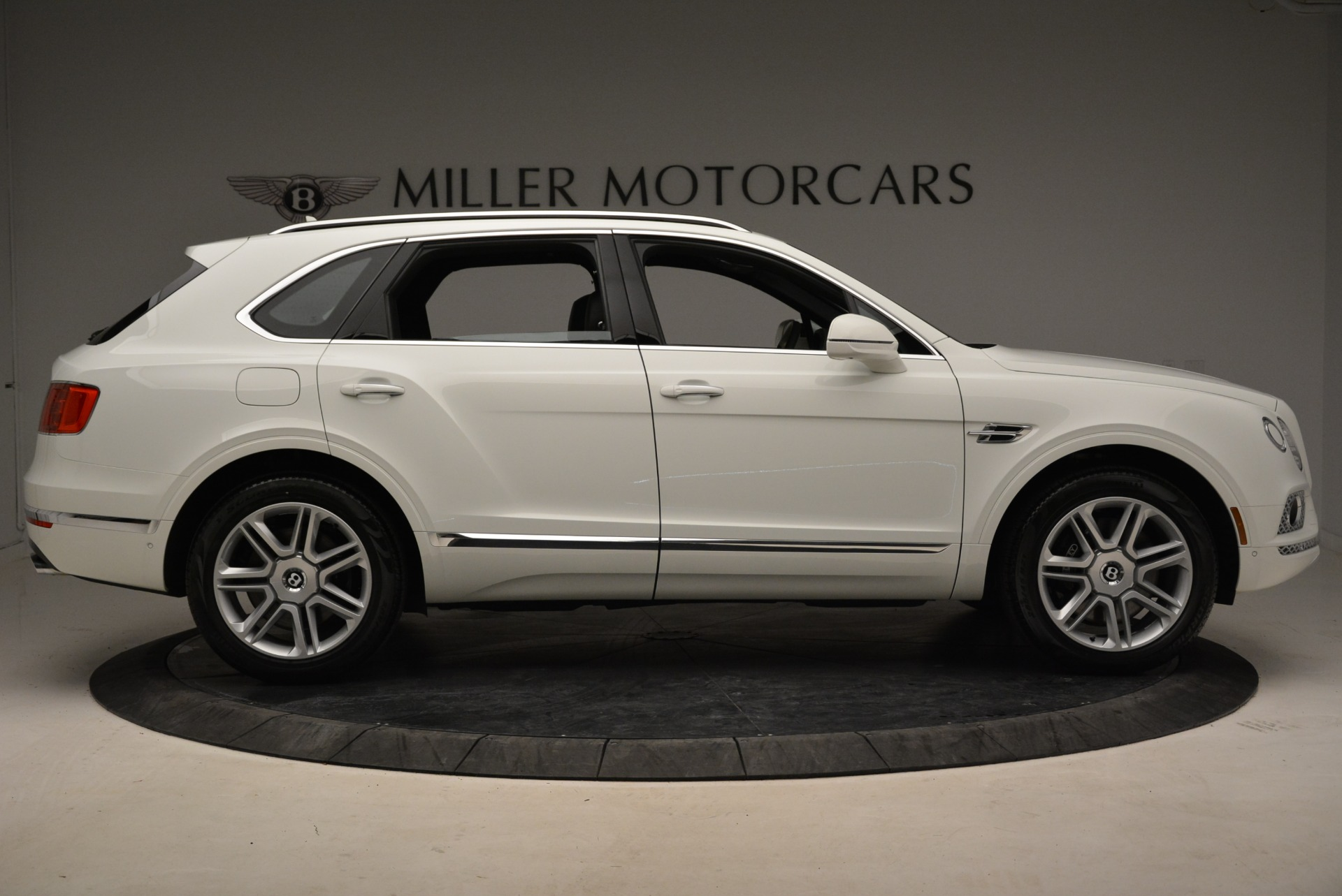 Used 2018 Bentley Bentayga Activity Edition For Sale In Greenwich, CT. Alfa Romeo of Greenwich, B1316 1922_p9