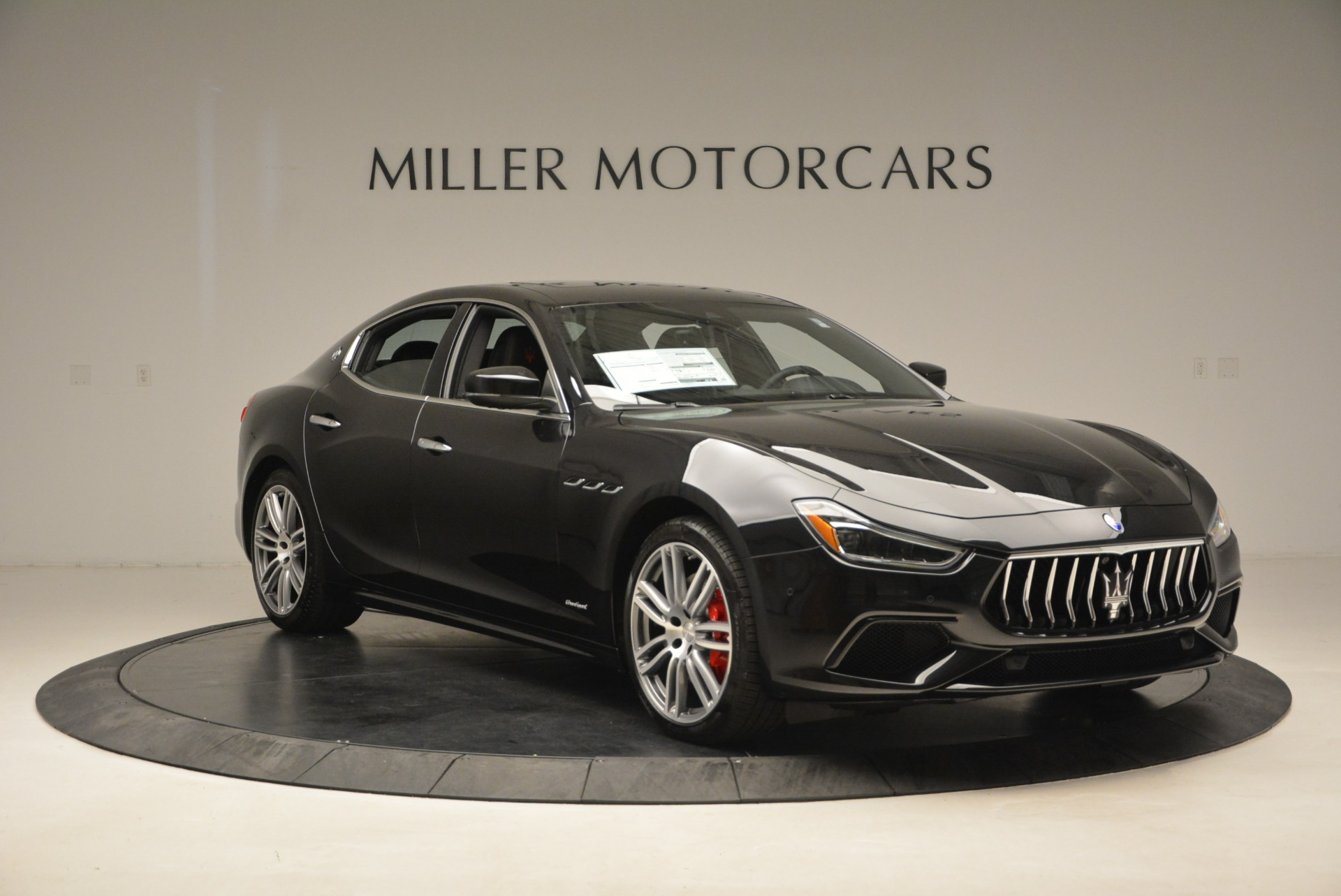 New 2018 Maserati Ghibli S Q4 Gransport For Sale In Greenwich, CT. Alfa Romeo of Greenwich, M2023 1950_p11
