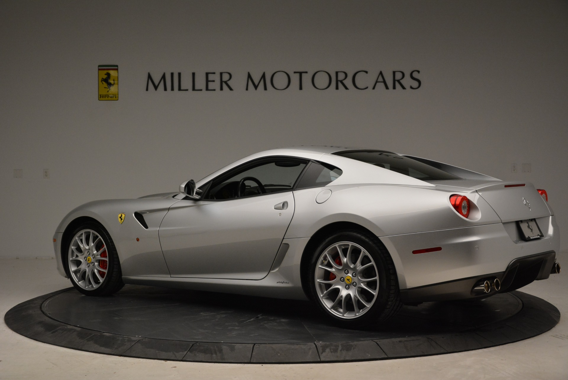 Used 2010 Ferrari 599 GTB Fiorano  For Sale $188900 In Greenwich, CT 1956_p4