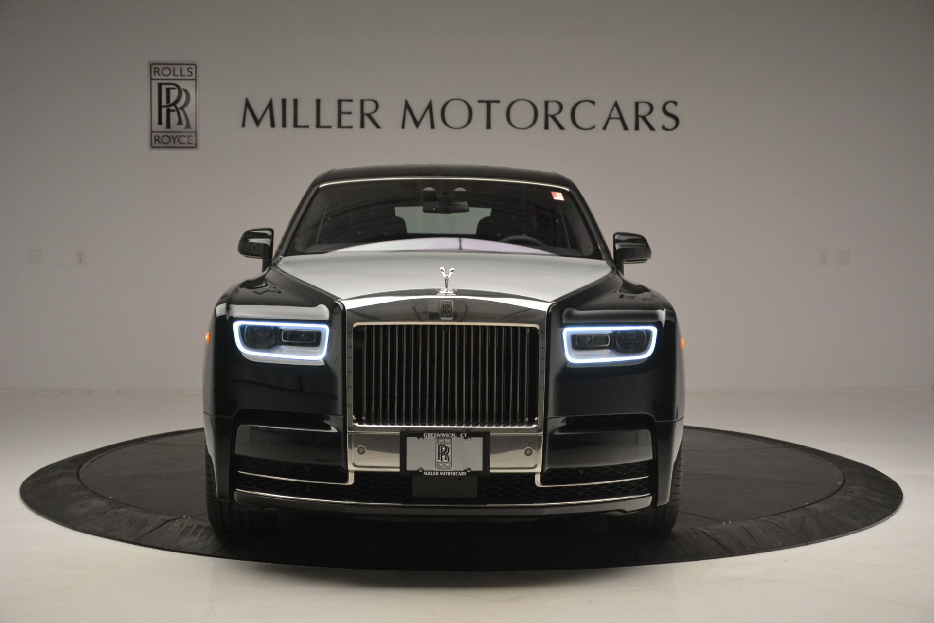 Used 2018 Rolls-Royce Phantom  For Sale In Greenwich, CT. Alfa Romeo of Greenwich, R447 1958_p10