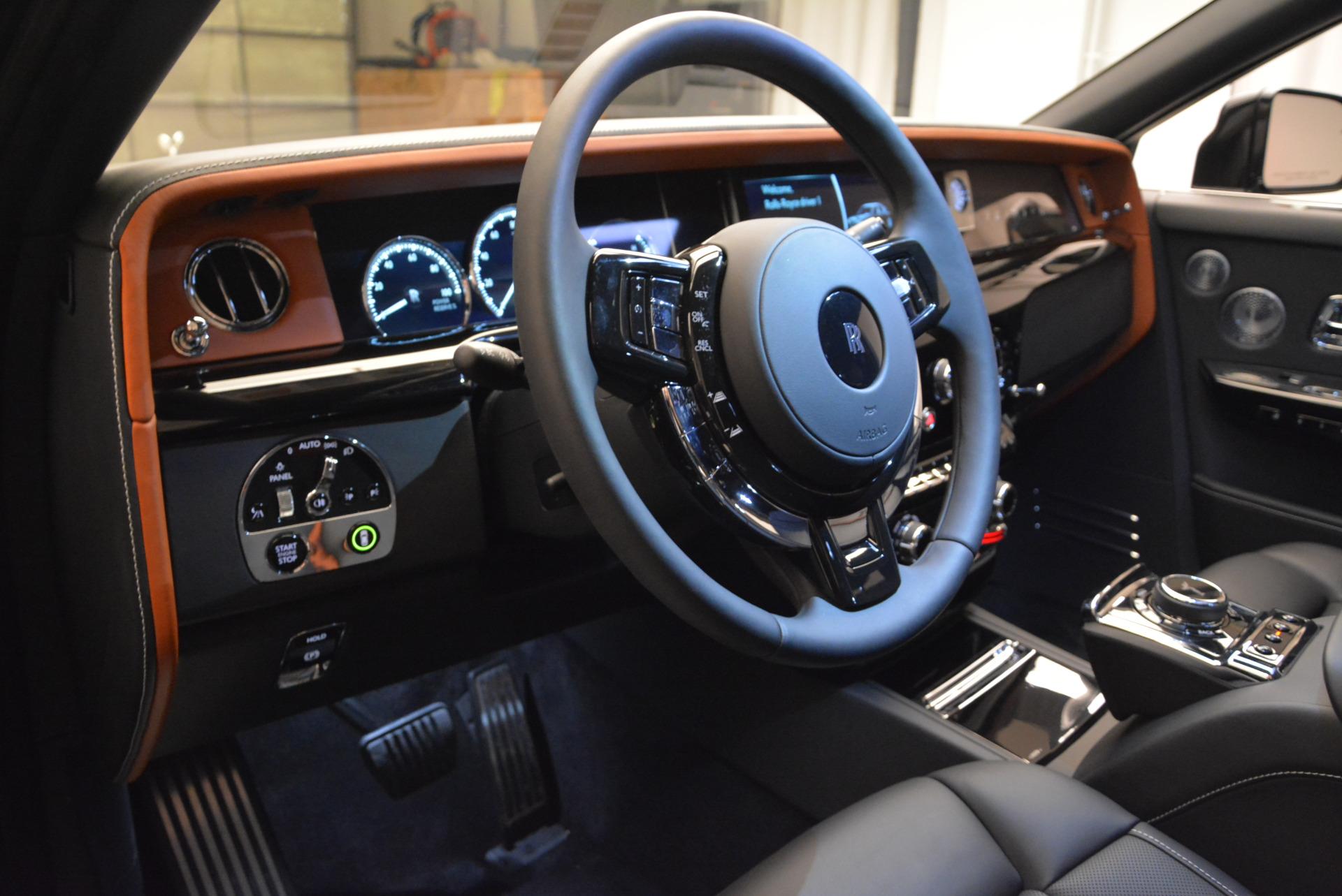 Used 2018 Rolls-Royce Phantom  For Sale In Greenwich, CT. Alfa Romeo of Greenwich, R447 1958_p11