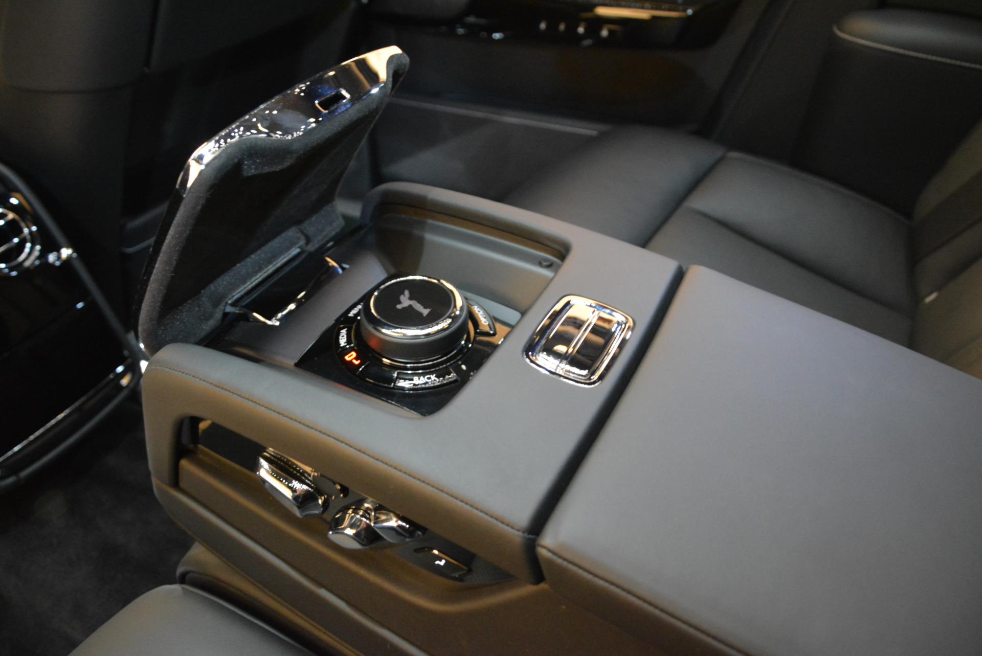 Used 2018 Rolls-Royce Phantom  For Sale In Greenwich, CT. Alfa Romeo of Greenwich, R447 1958_p20