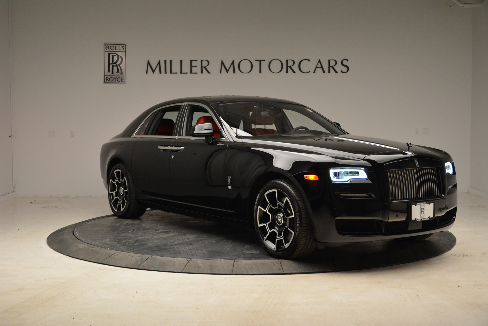 Used 2017 Rolls-Royce Ghost Black Badge For Sale In Greenwich, CT. Alfa Romeo of Greenwich, R450 1959_p11