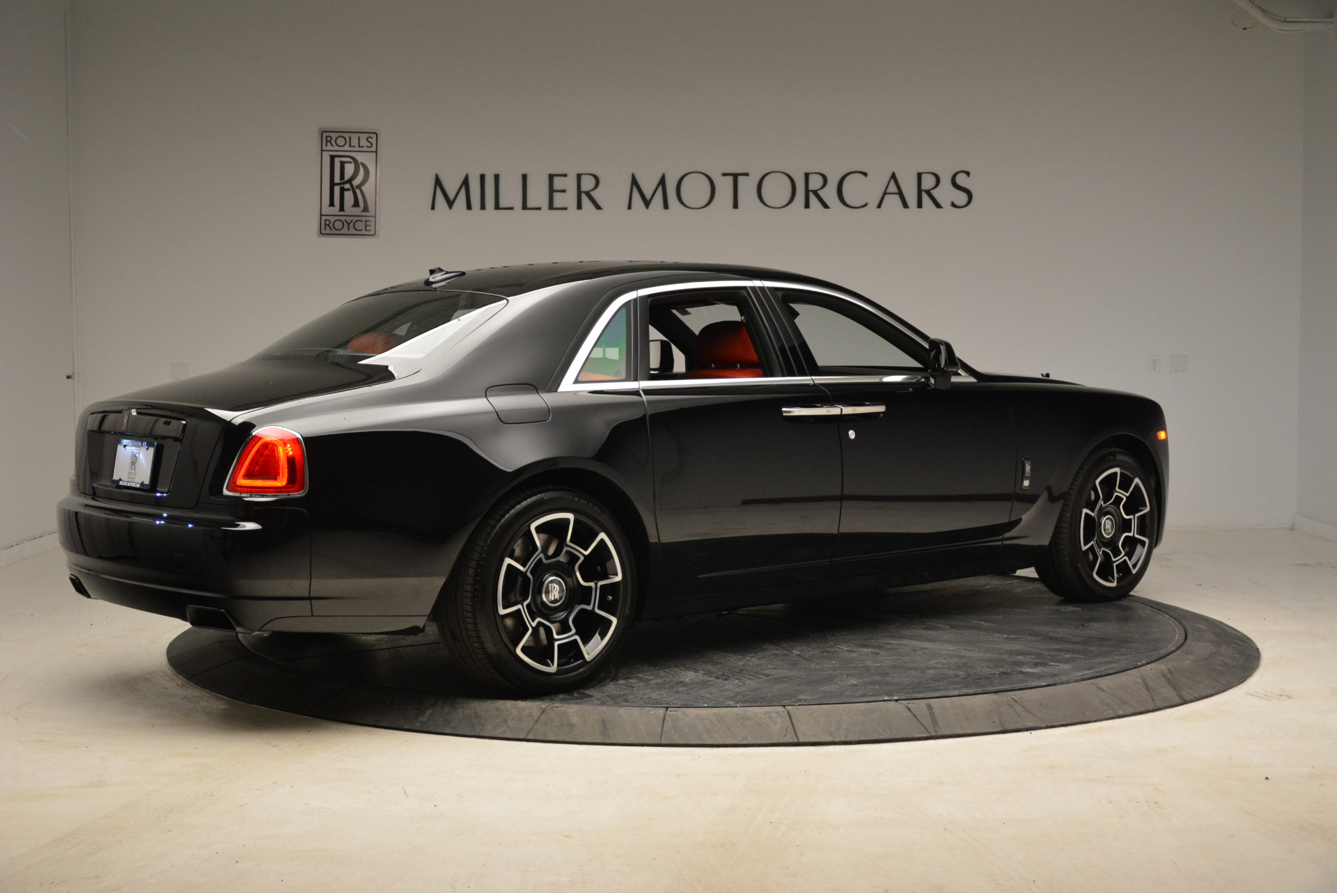 Used 2017 Rolls-Royce Ghost Black Badge For Sale In Greenwich, CT. Alfa Romeo of Greenwich, R450 1959_p8
