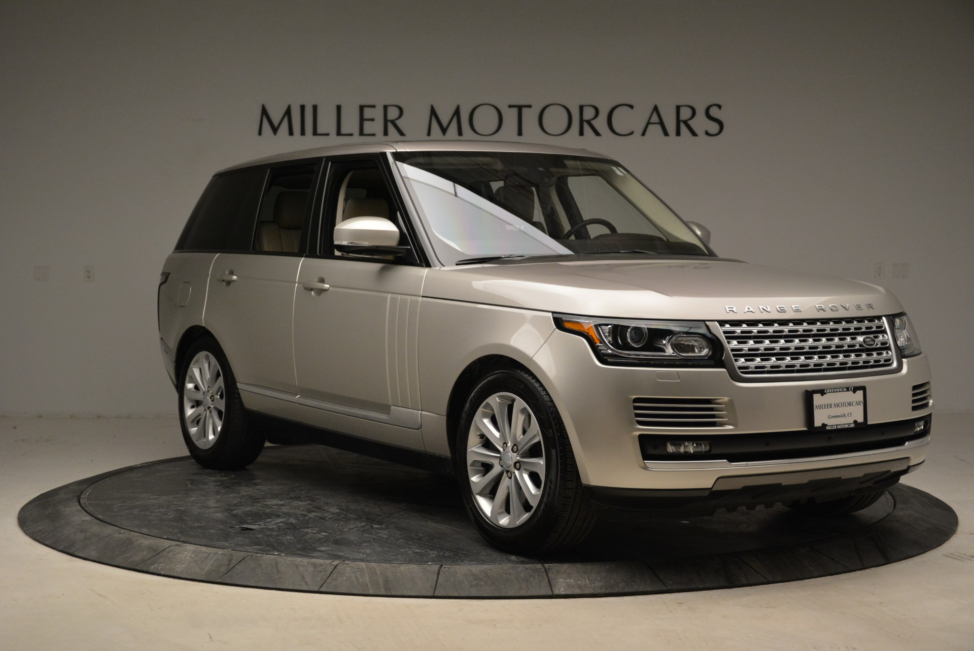 Used 2016 Land Rover Range Rover HSE For Sale In Greenwich, CT. Alfa Romeo of Greenwich, 7314 1962_p11
