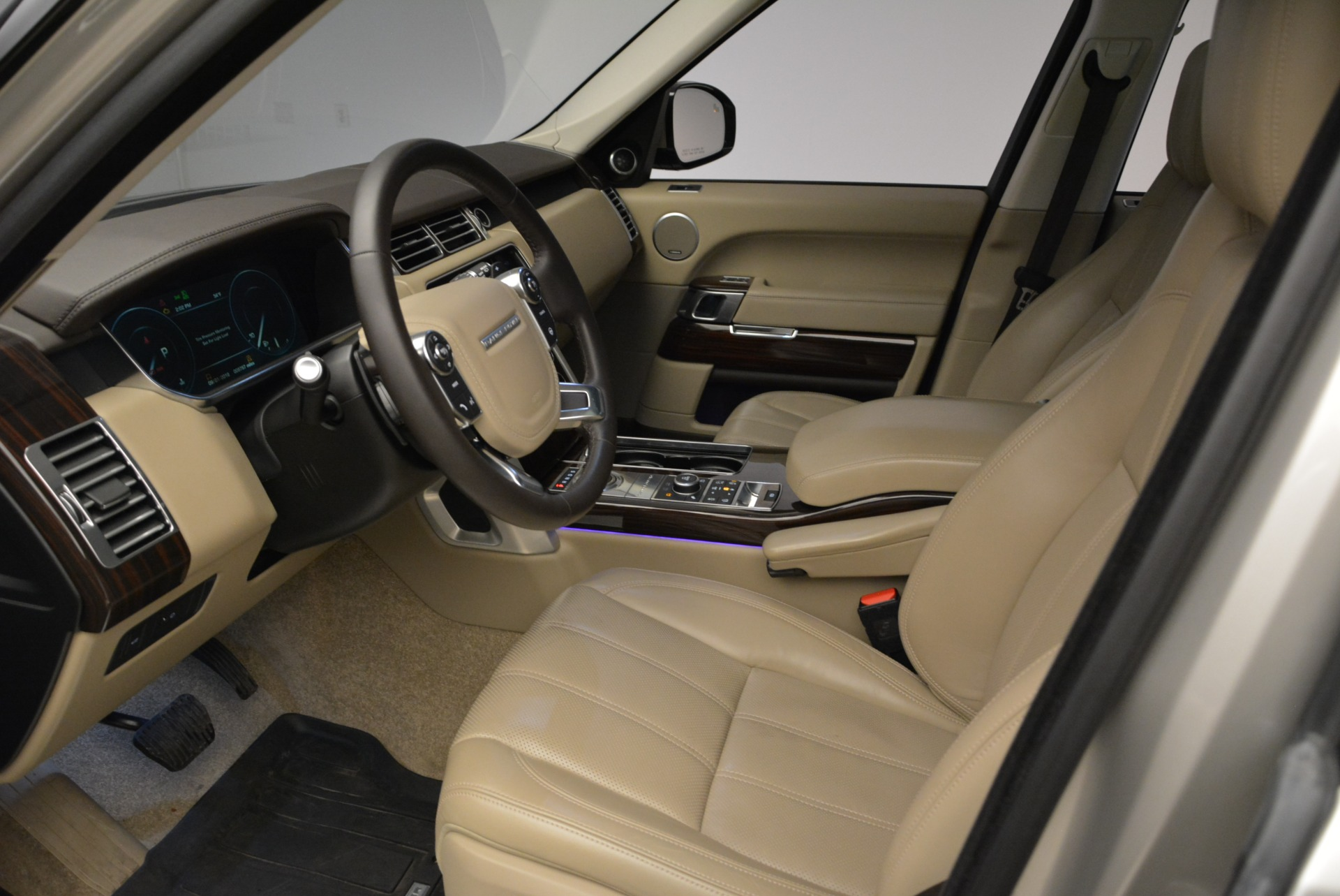 Used 2016 Land Rover Range Rover HSE For Sale In Greenwich, CT. Alfa Romeo of Greenwich, 7314 1962_p17