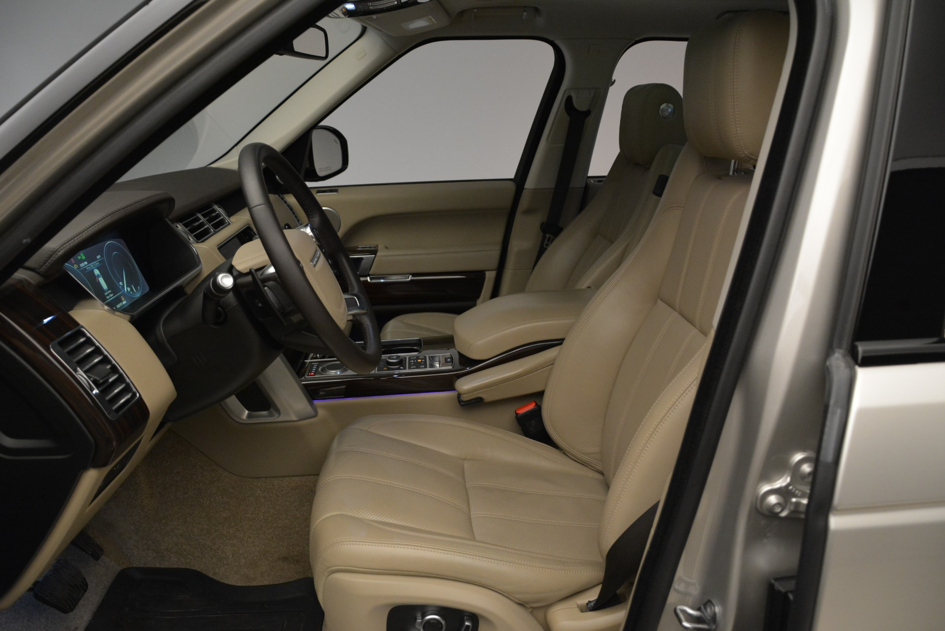 Used 2016 Land Rover Range Rover HSE For Sale In Greenwich, CT. Alfa Romeo of Greenwich, 7314 1962_p18