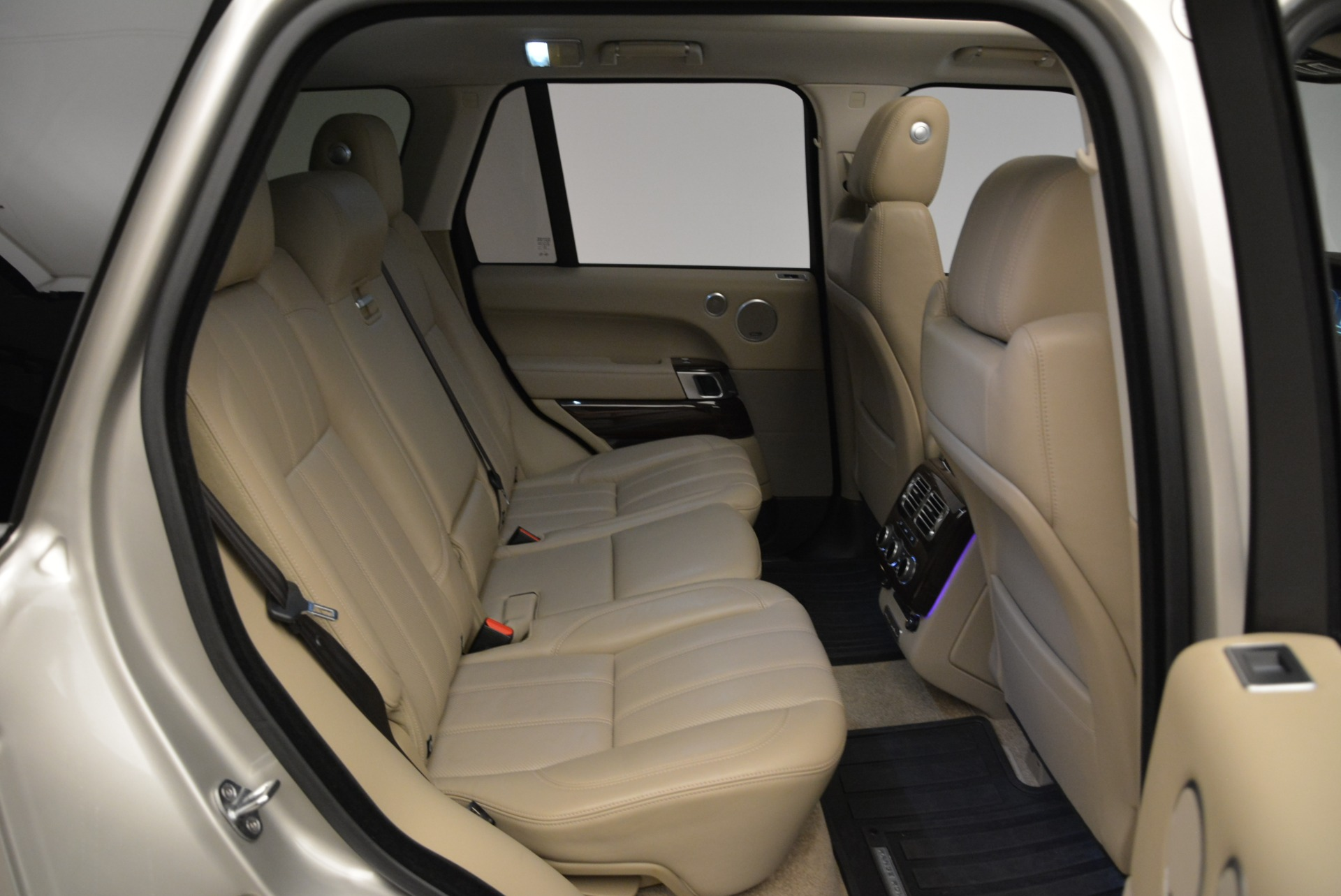 Used 2016 Land Rover Range Rover HSE For Sale In Greenwich, CT. Alfa Romeo of Greenwich, 7314 1962_p32