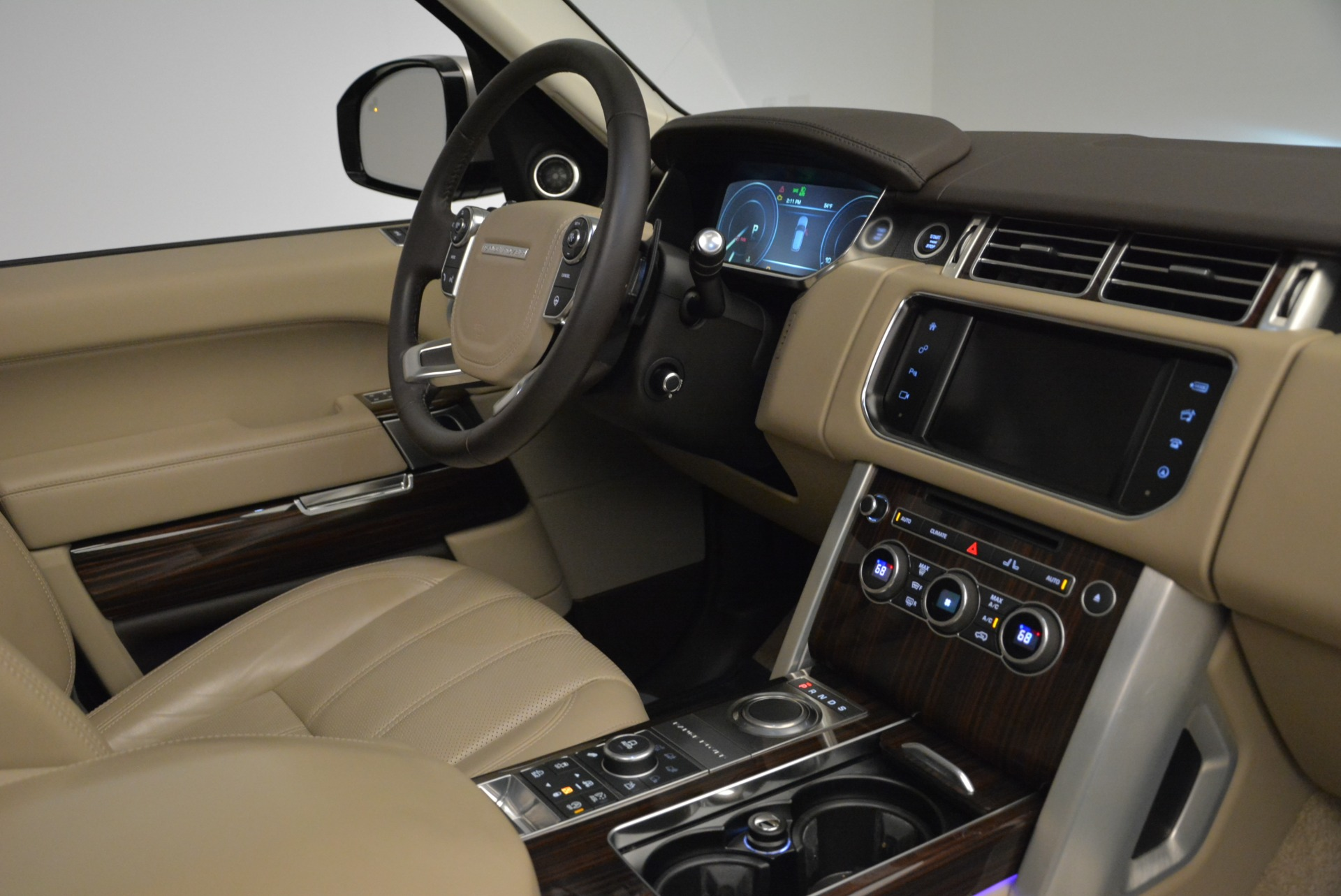 Used 2016 Land Rover Range Rover HSE For Sale In Greenwich, CT. Alfa Romeo of Greenwich, 7314 1962_p35